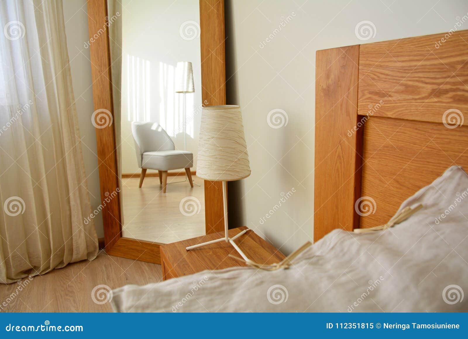 Camera Da Letto Legno Naturale : Illuminazione camera da letto u guida idee per illuminare al