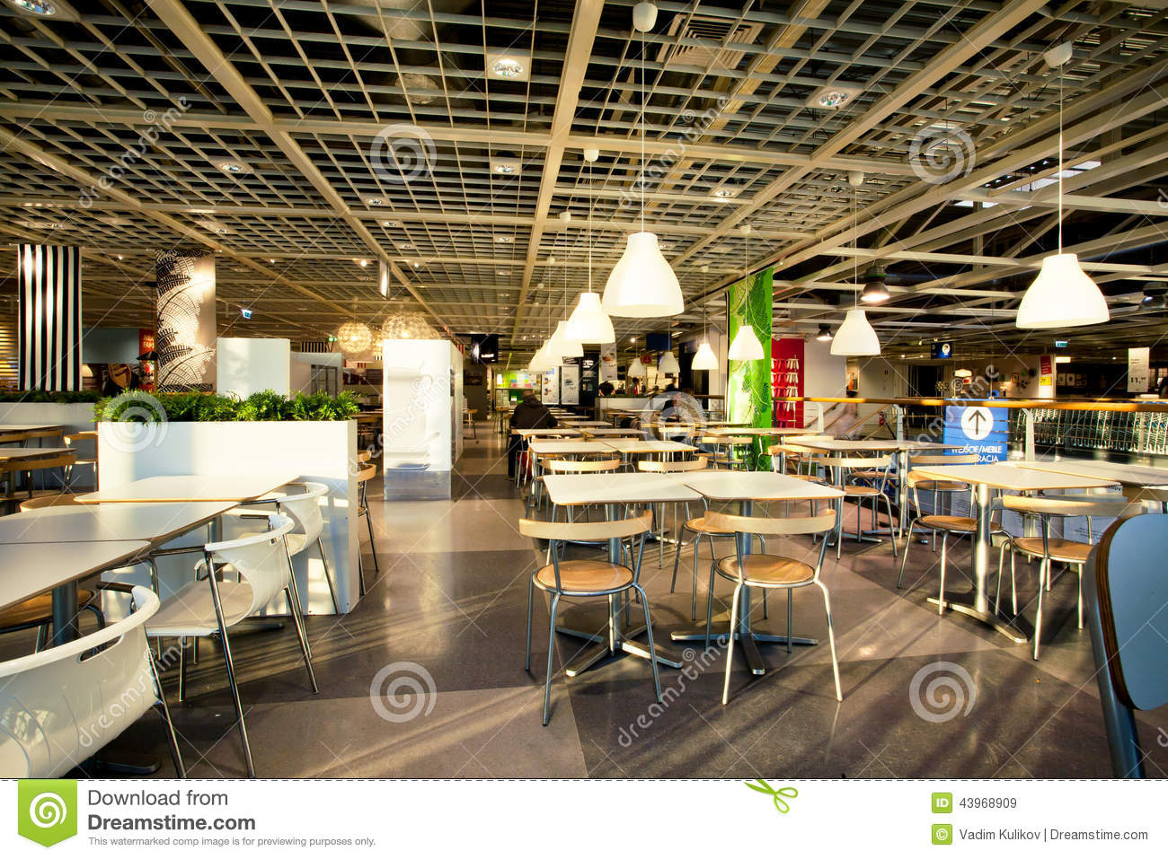 Interior of the dining room in cafe of the huge ikea store for Amenagement restaurant interieur