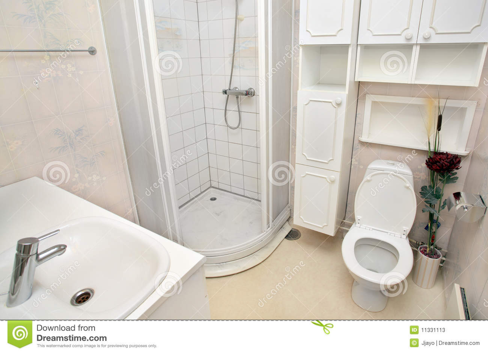 Interior Do Banheiro Branco Pequeno Fotos de Stock  Imagem 11331113 -> Banheiro Pequeno Branco