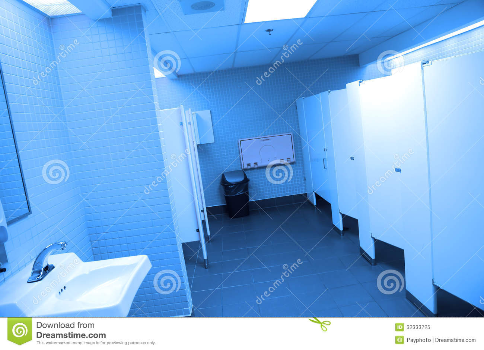 Interior Do Banheiro Público Foto de Stock Royalty Free Imagem  #0466C7 1300 957