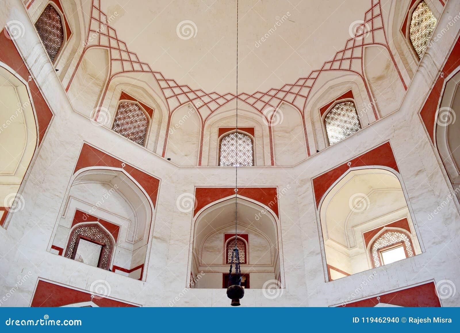 Interior do túmulo de Humayun
