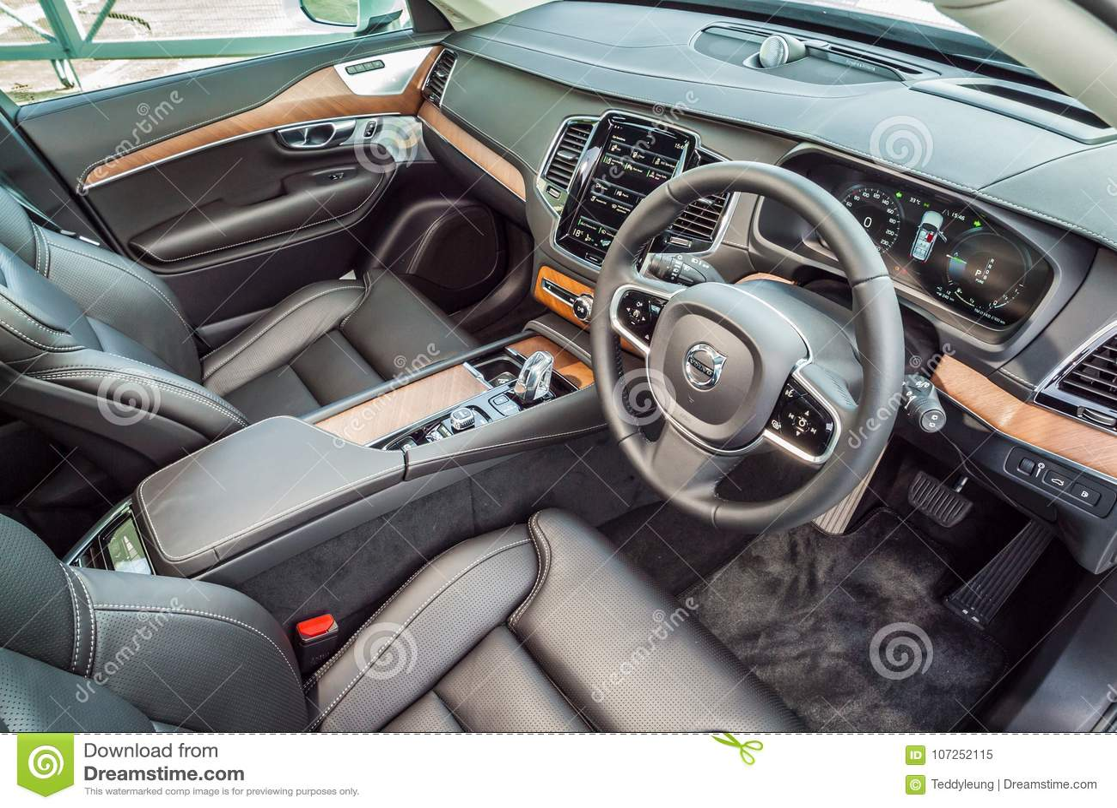 Interior Do Turbocompressor 2017 Do Gemeo De Volvo Xc90 Imagem Editorial Imagem De 2017 Gemeo 107252115