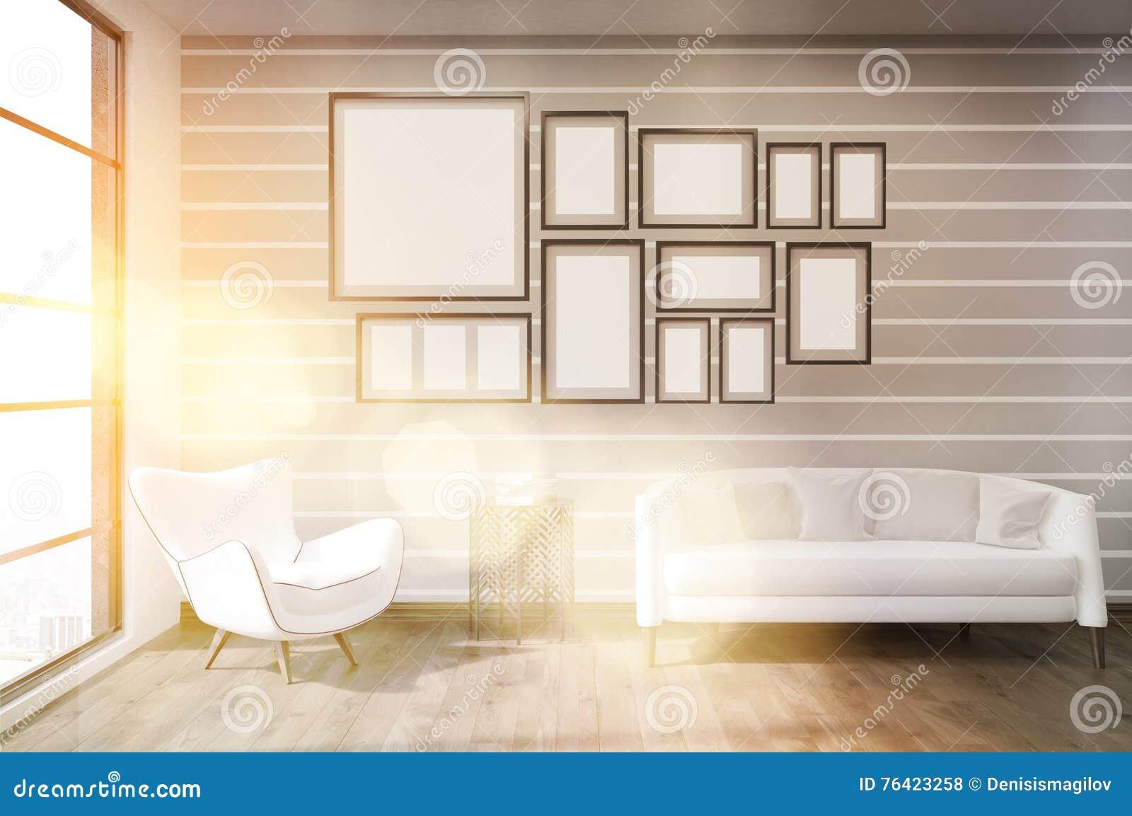 Interior Ensolarado Da Sala De Visitas Com Paredes Listradas  -> Parede Sala Listrada