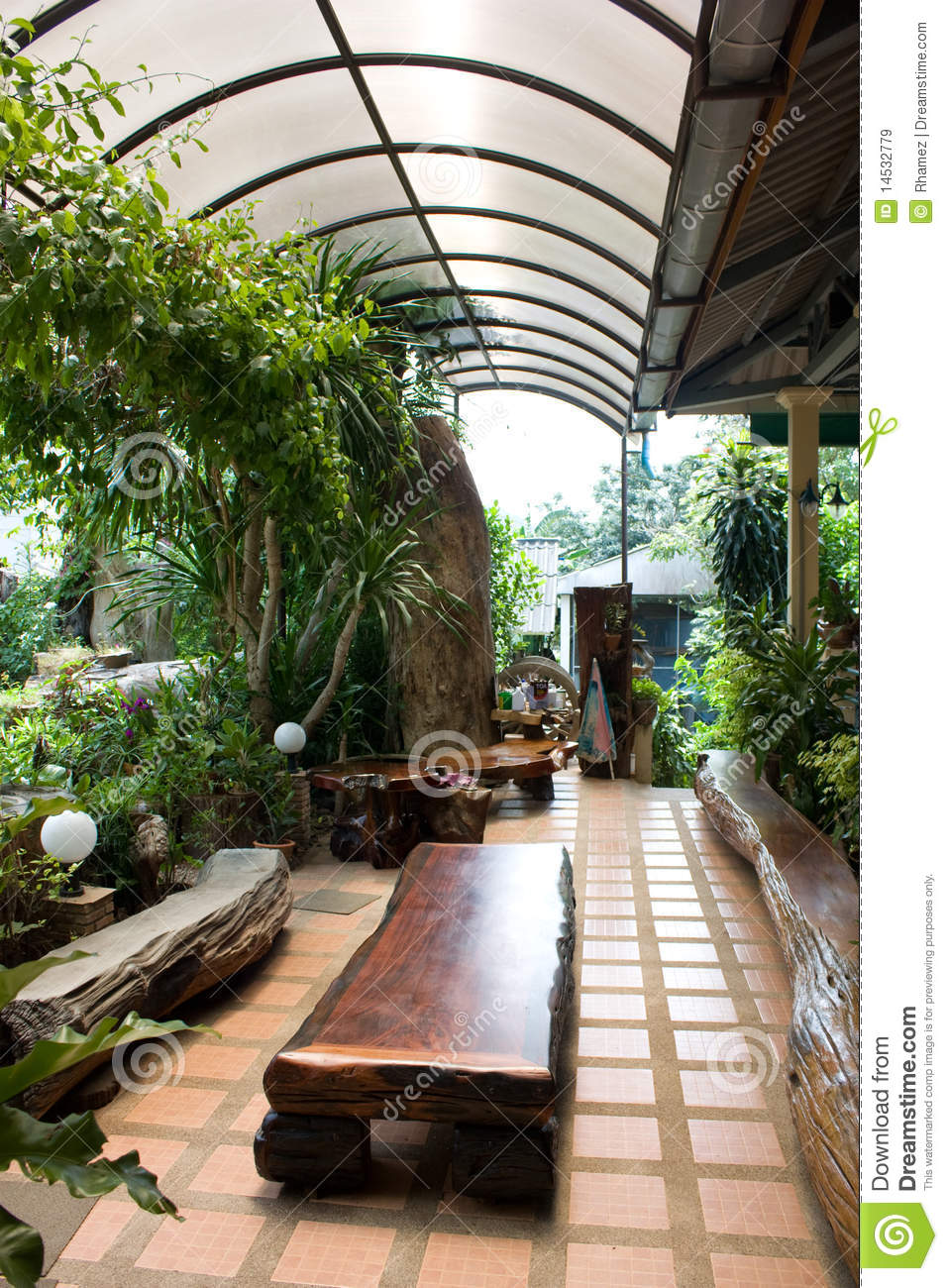 Interior garden awesome amazing home atrium multilevel for Interior garden design
