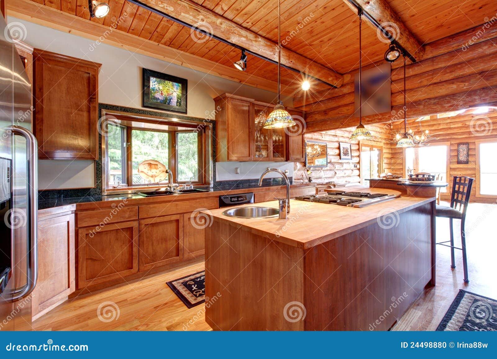 Interior Grande De La Cocina Cabaa Madera Foto