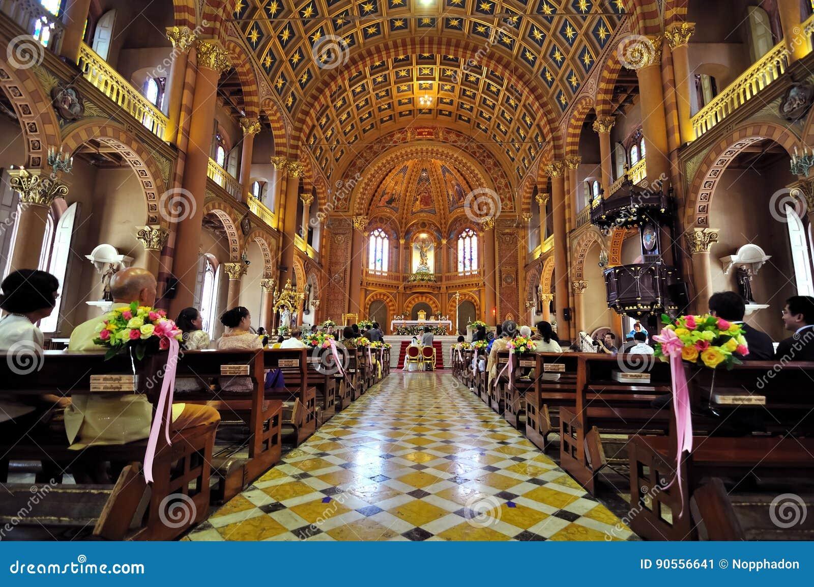 Interior Hermoso De La Iglesia Cristiana En Chanthaburi Tailandia  # Muebles Tailandia