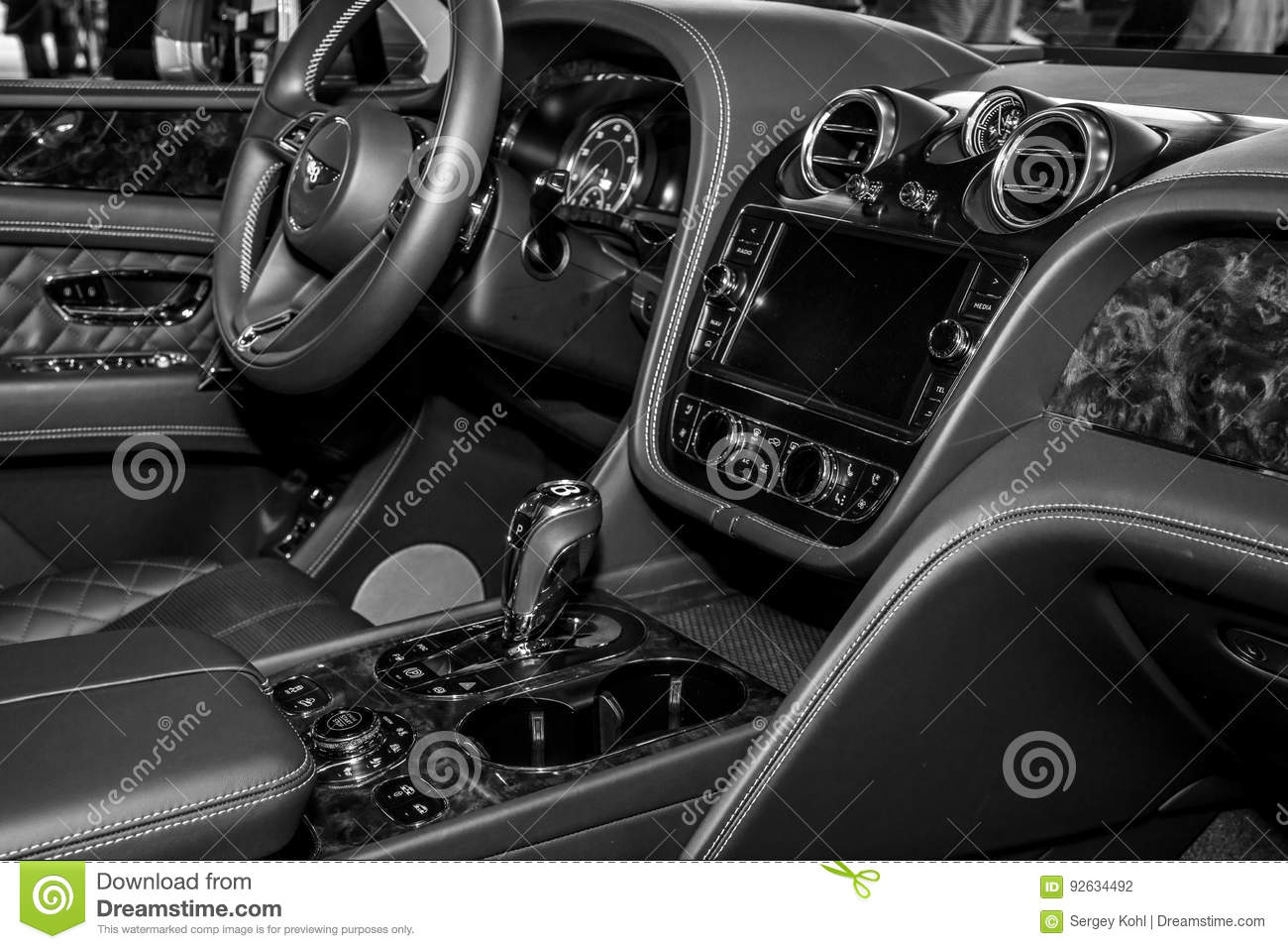 Interior Of The Large Luxury Crossover Suv Bentley Bentayga 2016 Editorial Photography Image Of Engine Classic 92634492