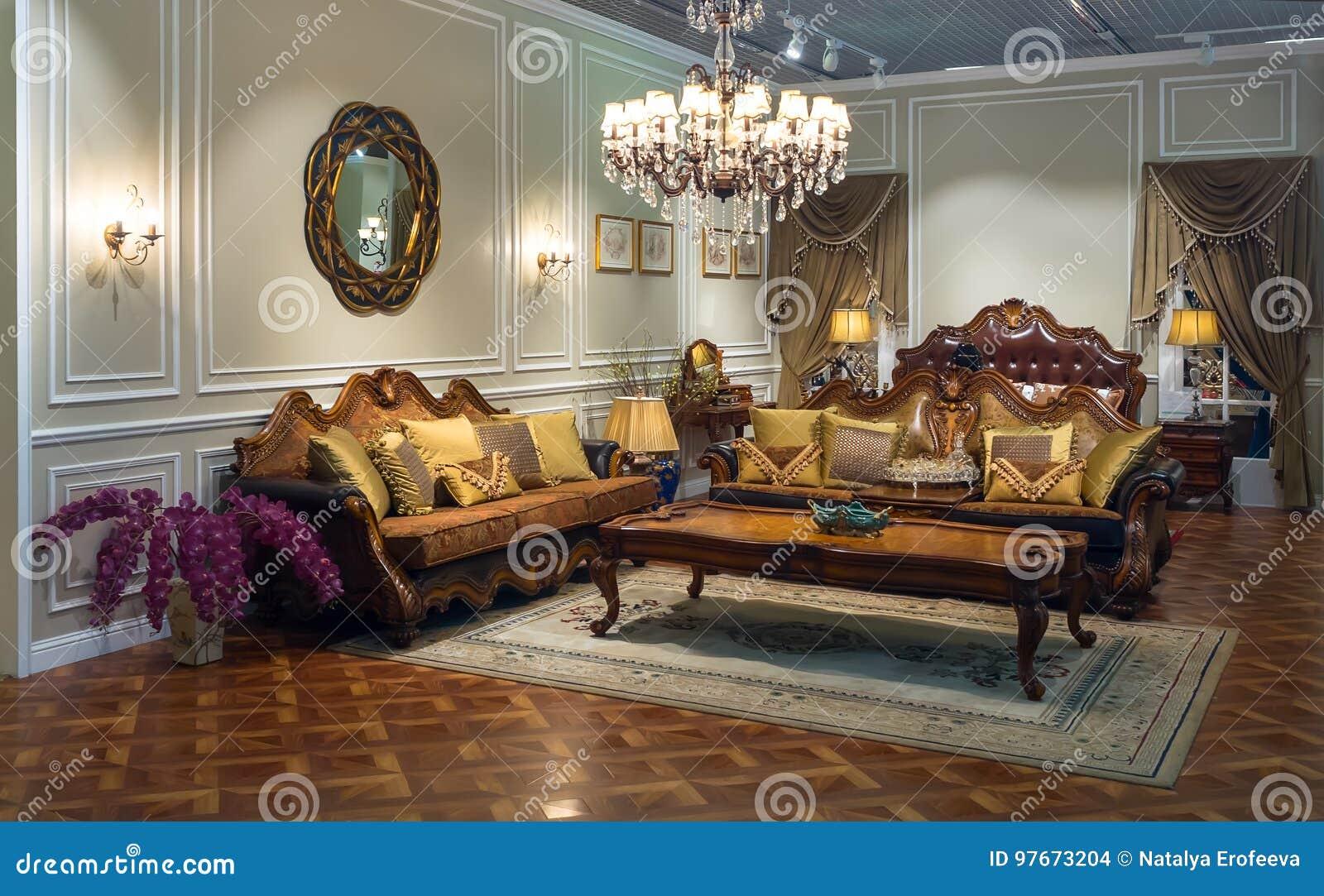 Interior luxuoso Sala no estilo clássico