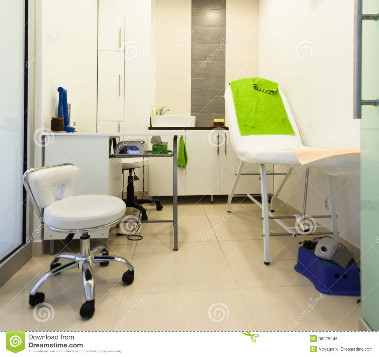 Interior of modern healthy beauty spa salon treatment for Beauty spa equipment