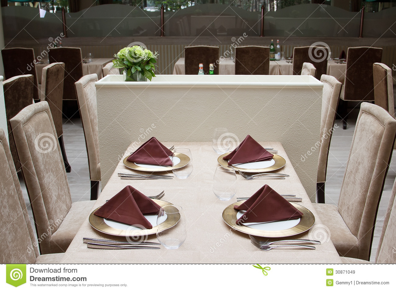 Modern restaurant table setting - Interior Of Modern Restaurant With Served Table Royalty Free Stock Images