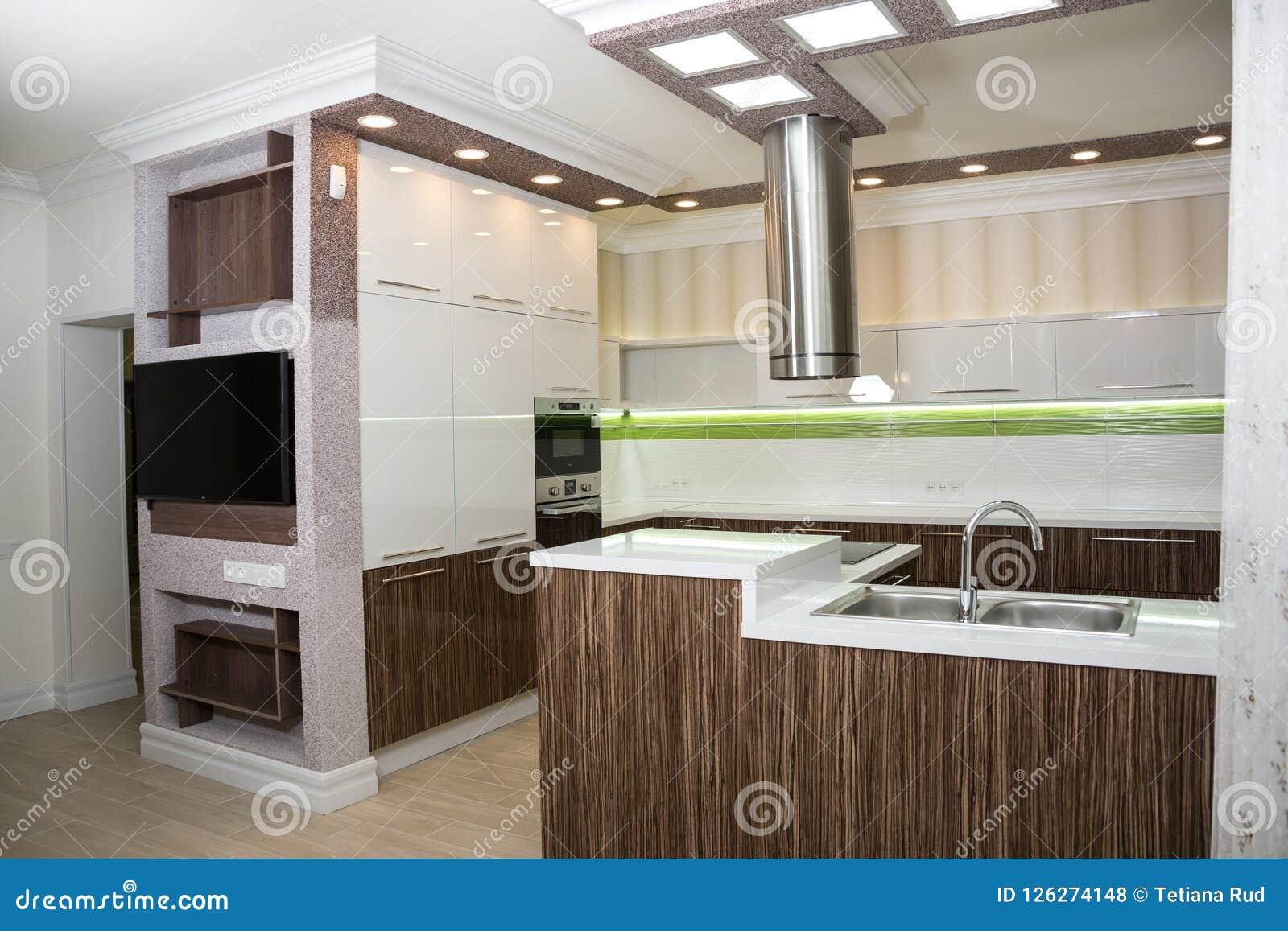 Interior moderno da cozinha