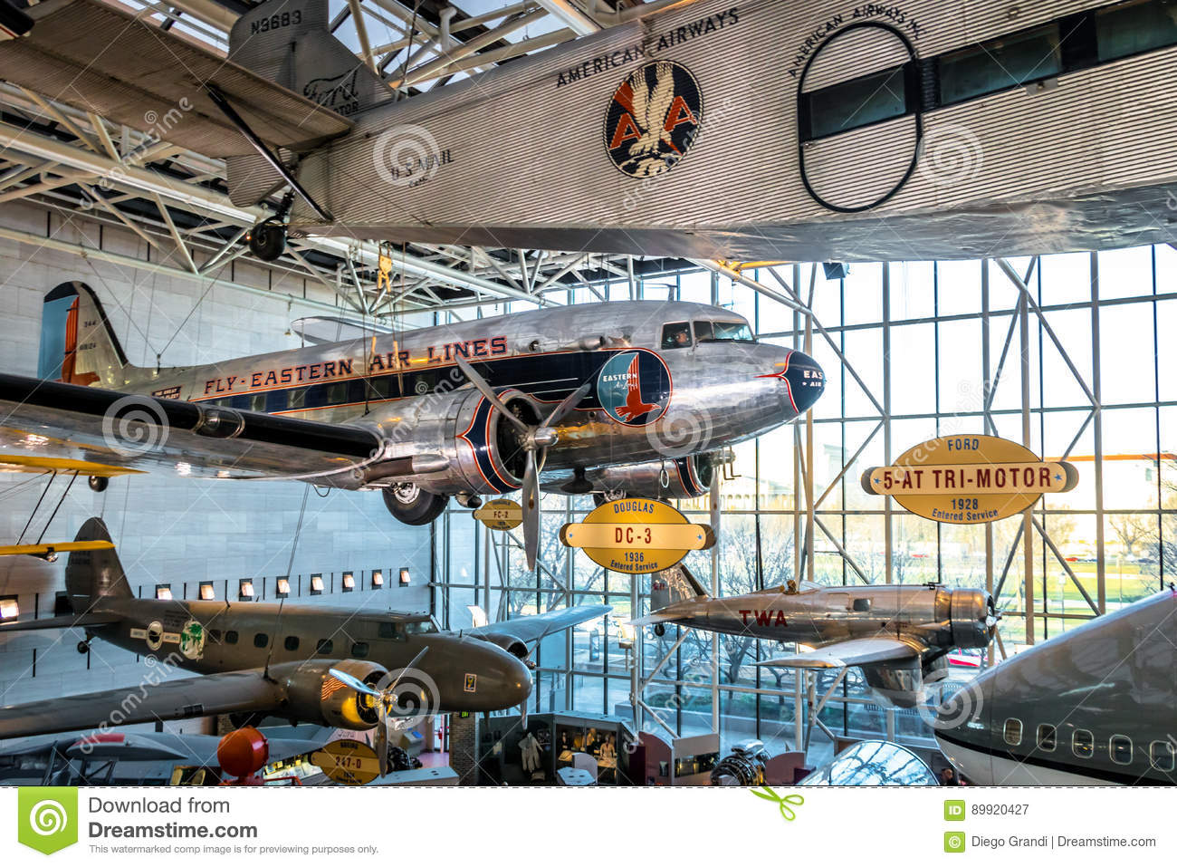 Museo Smithsonian.Interior Of The National Air And Space Museum Of The Smithsonian