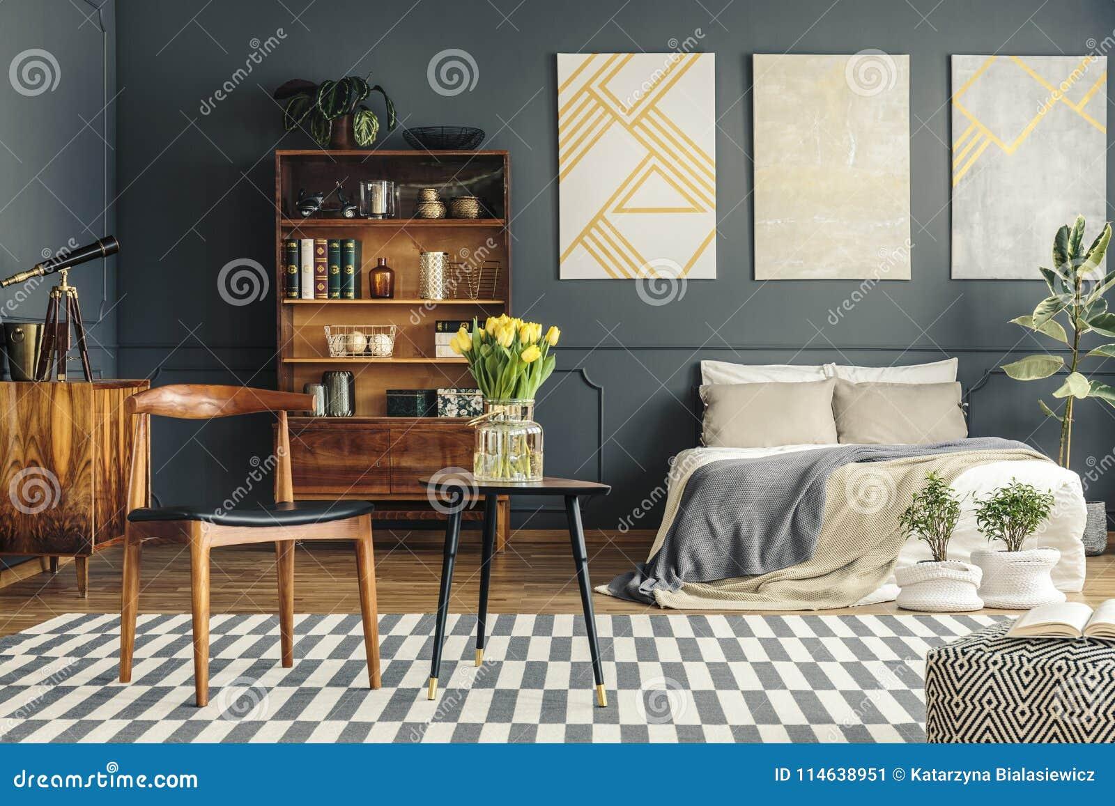 Interior retro del dormitorio
