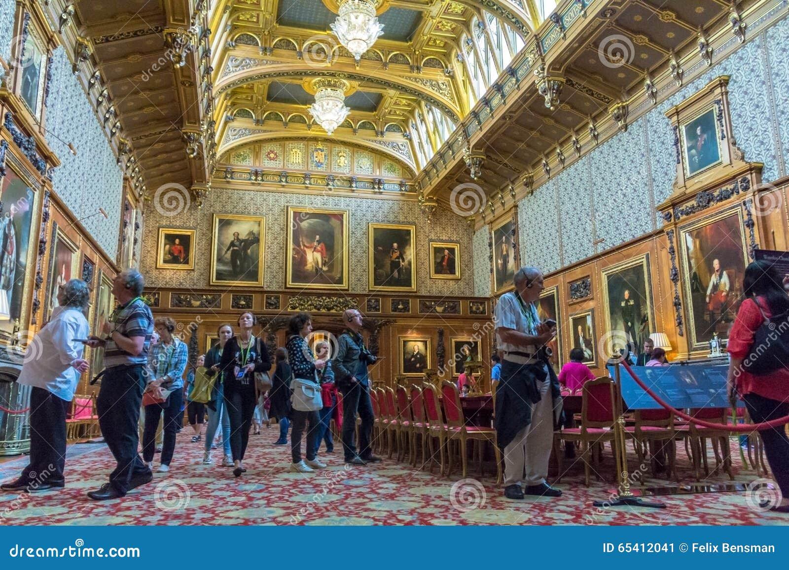 Interior of royal palace in medieval windsor castle uk for Interieur windsor