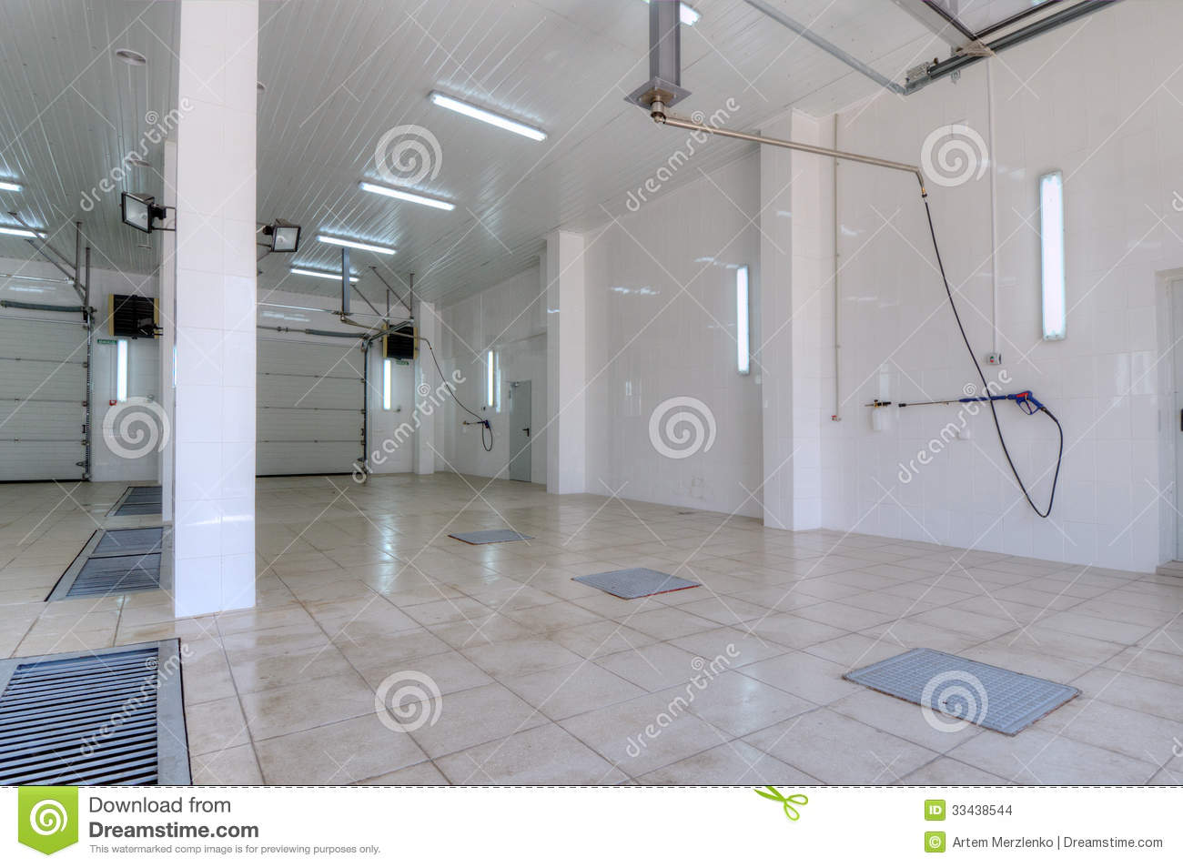 Interior Space Car Wash Stock Images - Image: 33438544