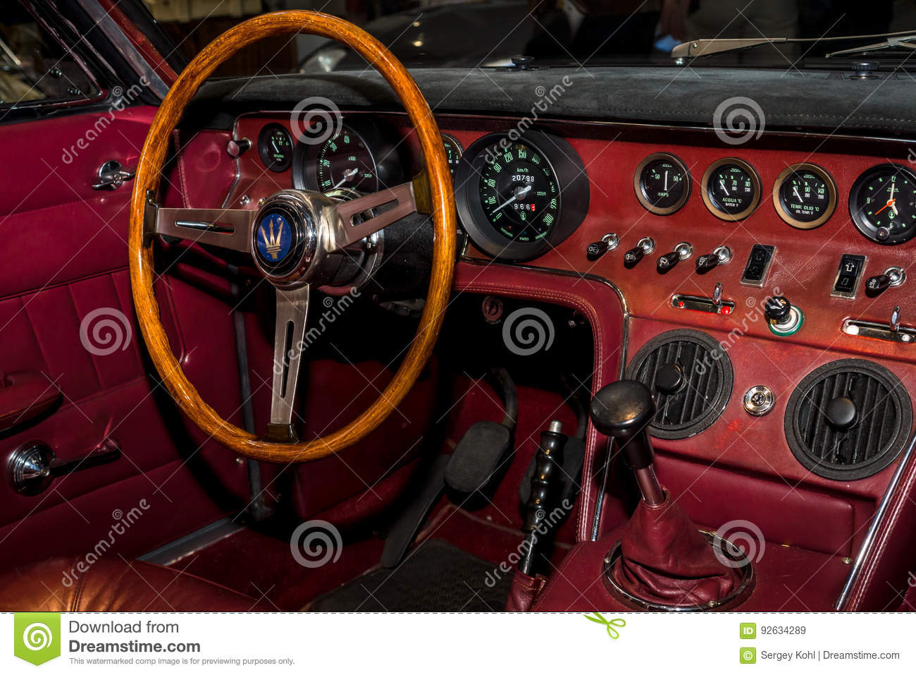 interior of the sports car maserati ghibli am115 by campana 1968
