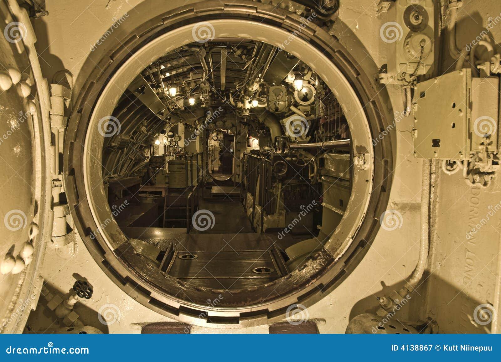 Interior submarino fotografia de stock royalty free for Interior submarino