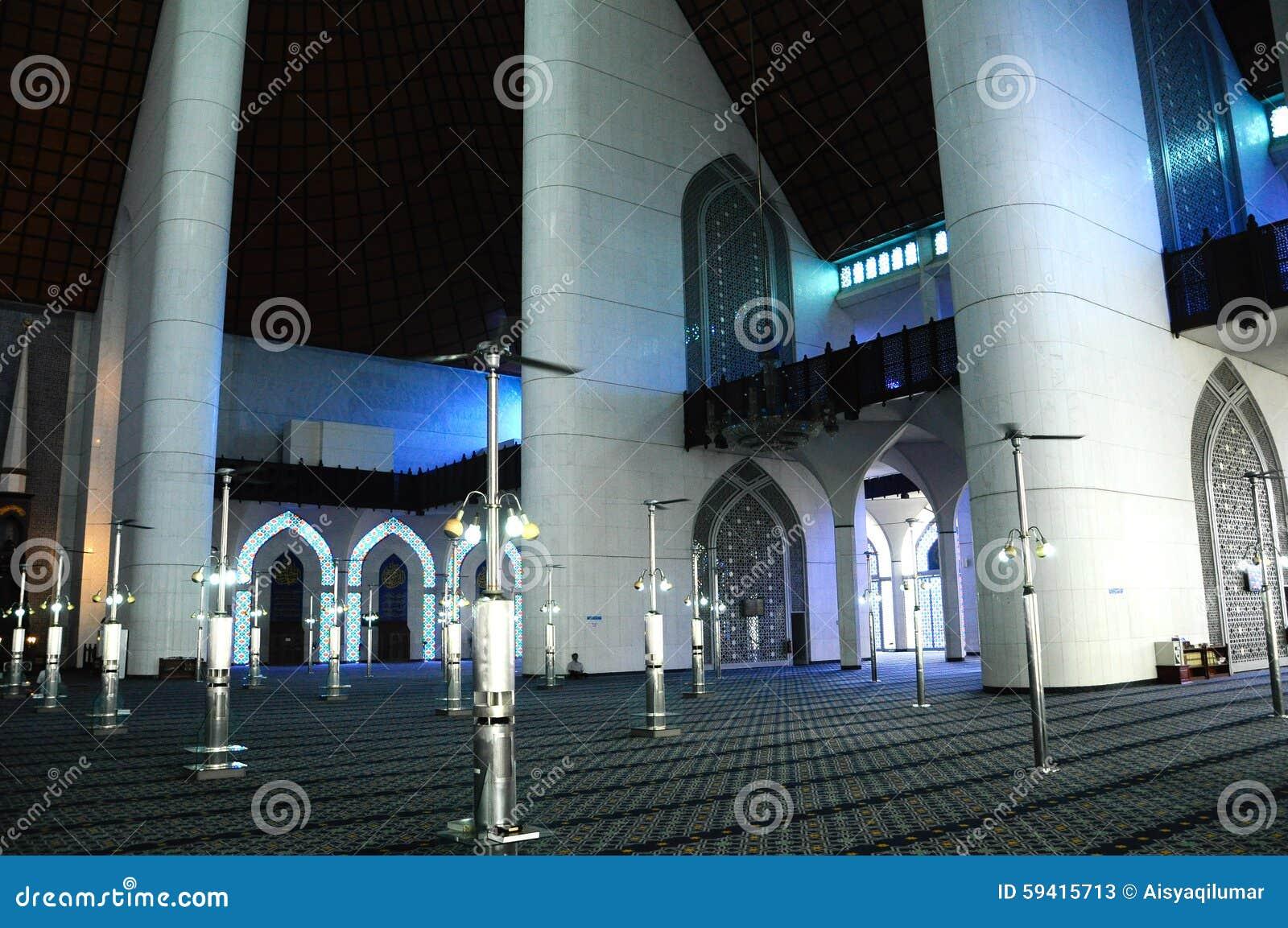 Interior Of Sultan Salahuddin Abdul Aziz Shah Mosque A K A Shah Alam Mosque Stock Image Image Of Design Hall 59415713