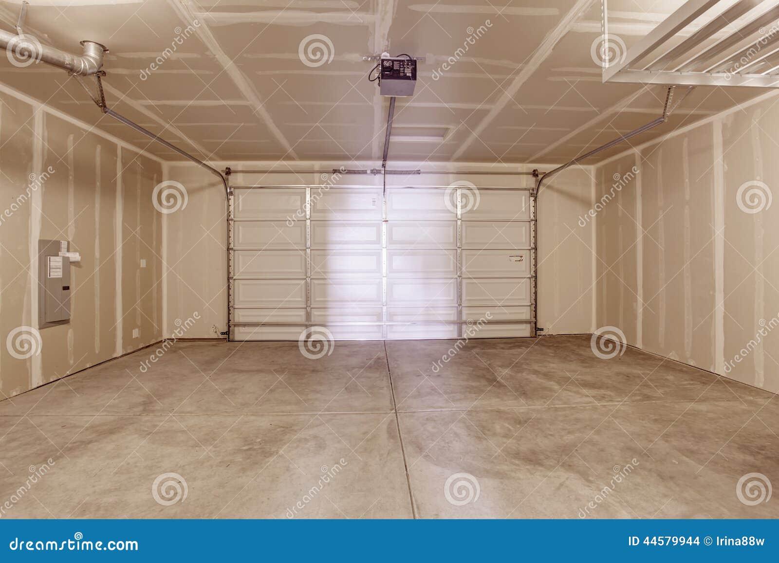 Interior vac o del garaje foto de archivo imagen 44579944 for Garage interieur