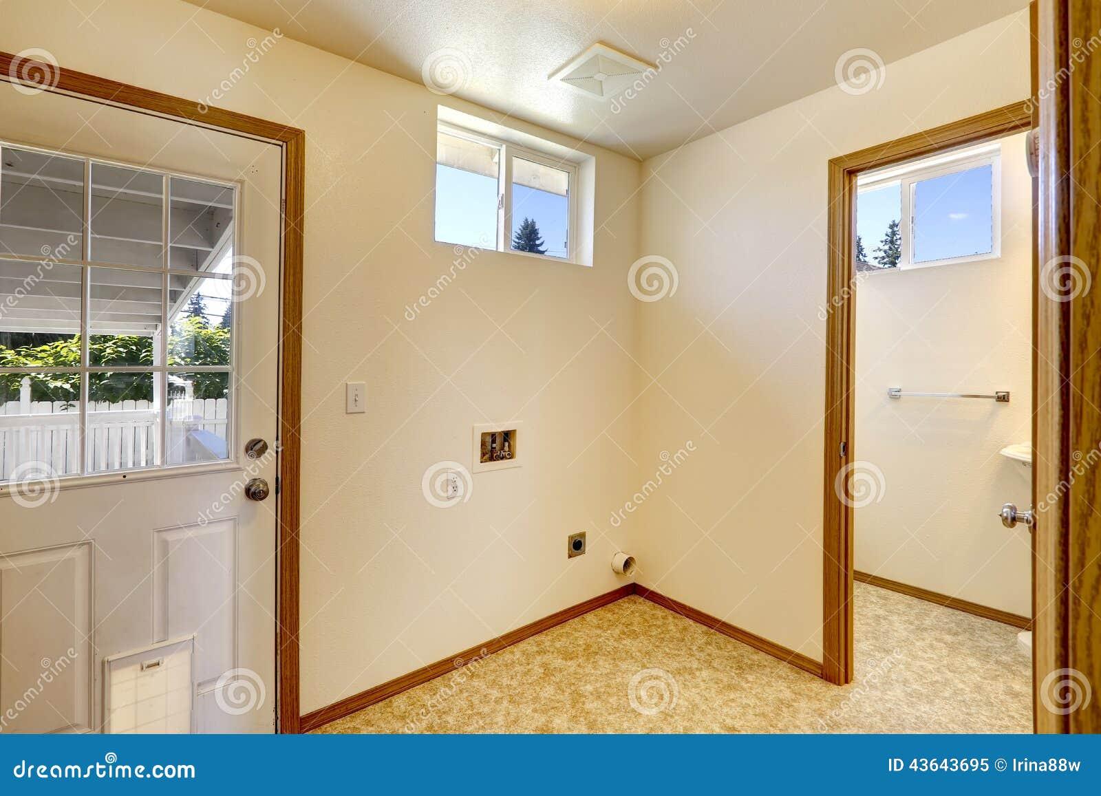 3 room flat design picture ideas - Interior Vazio Da Casa Na Cor Macia E No Linóleo Do Marfim