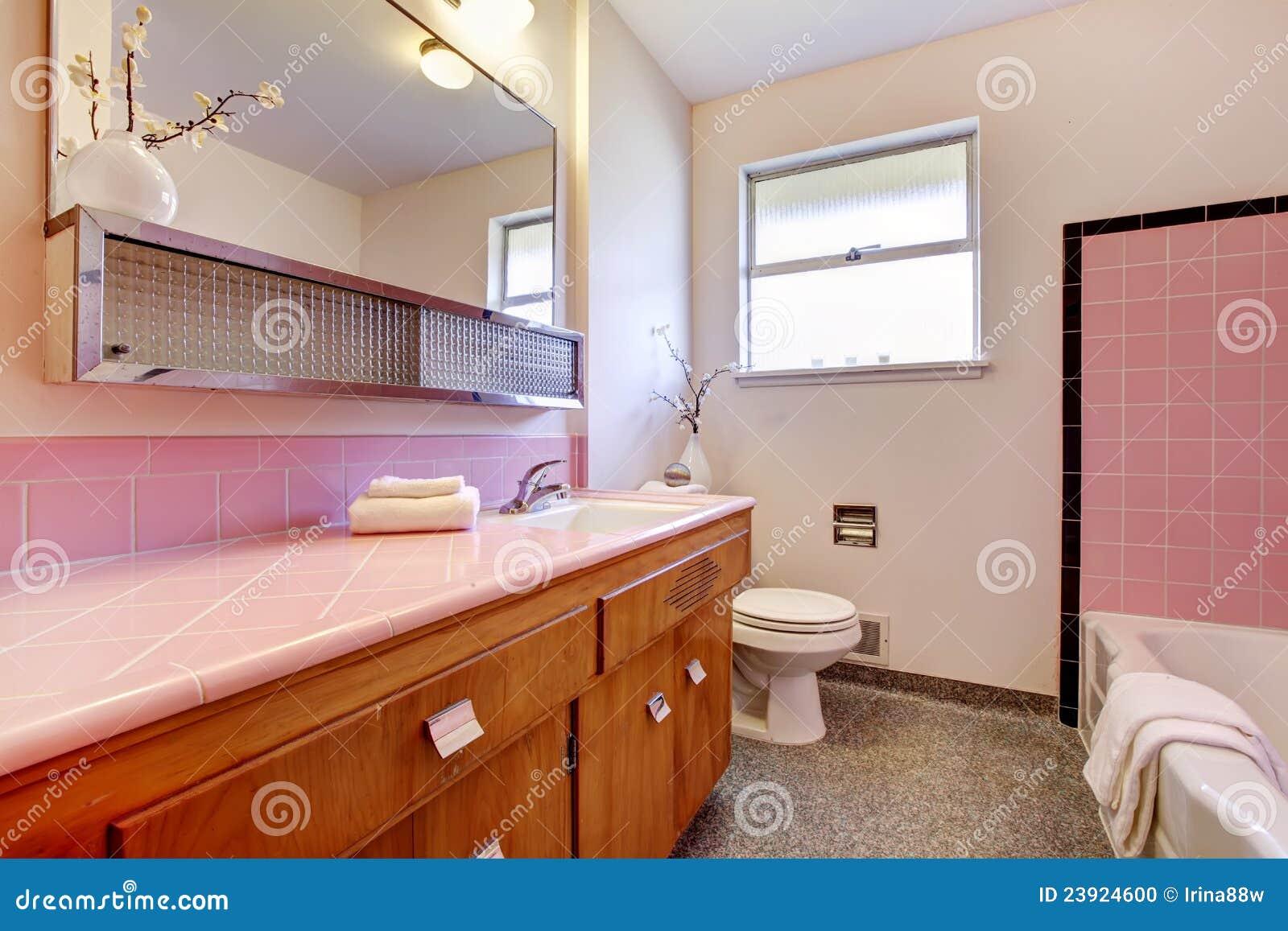 Interior Velho Corderosa Do Banheiro Com Cuba Foto de Stock  Imagem 2392 -> Cuba Para Banheiro Cor De Rosa