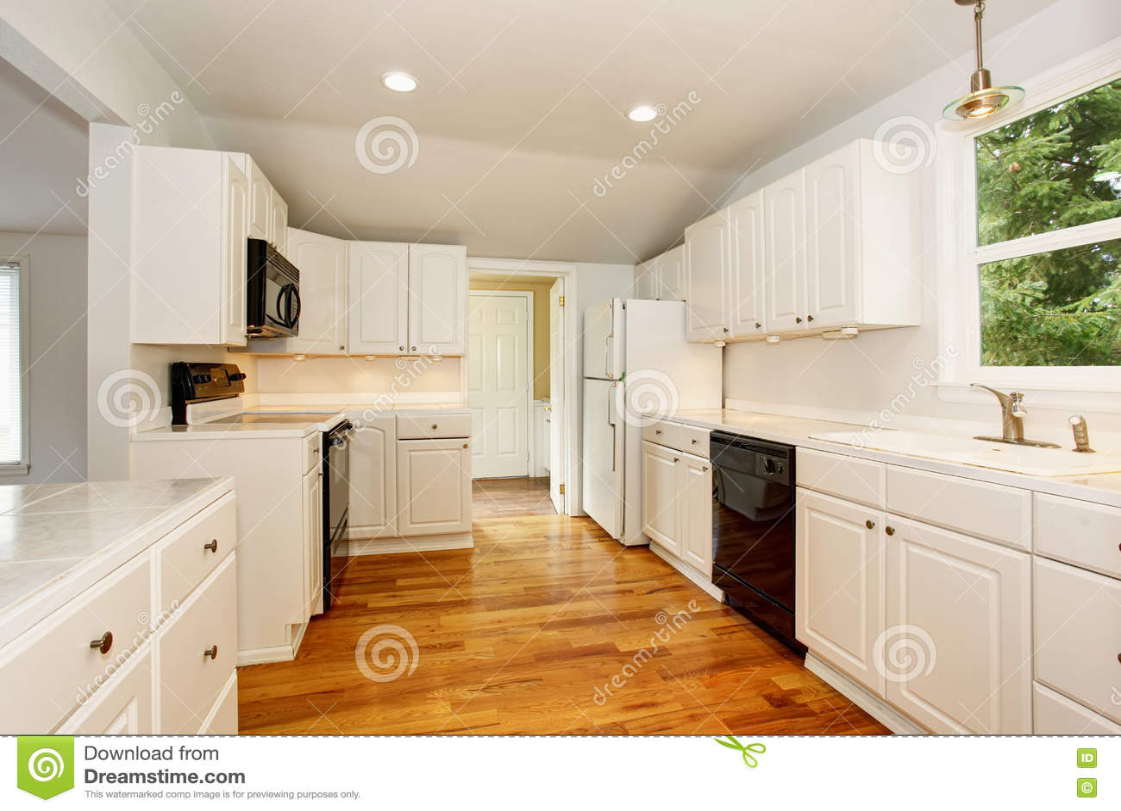 Interior Velho Simples Vazio Branco Da Cozinha Na Casa Hist Rica