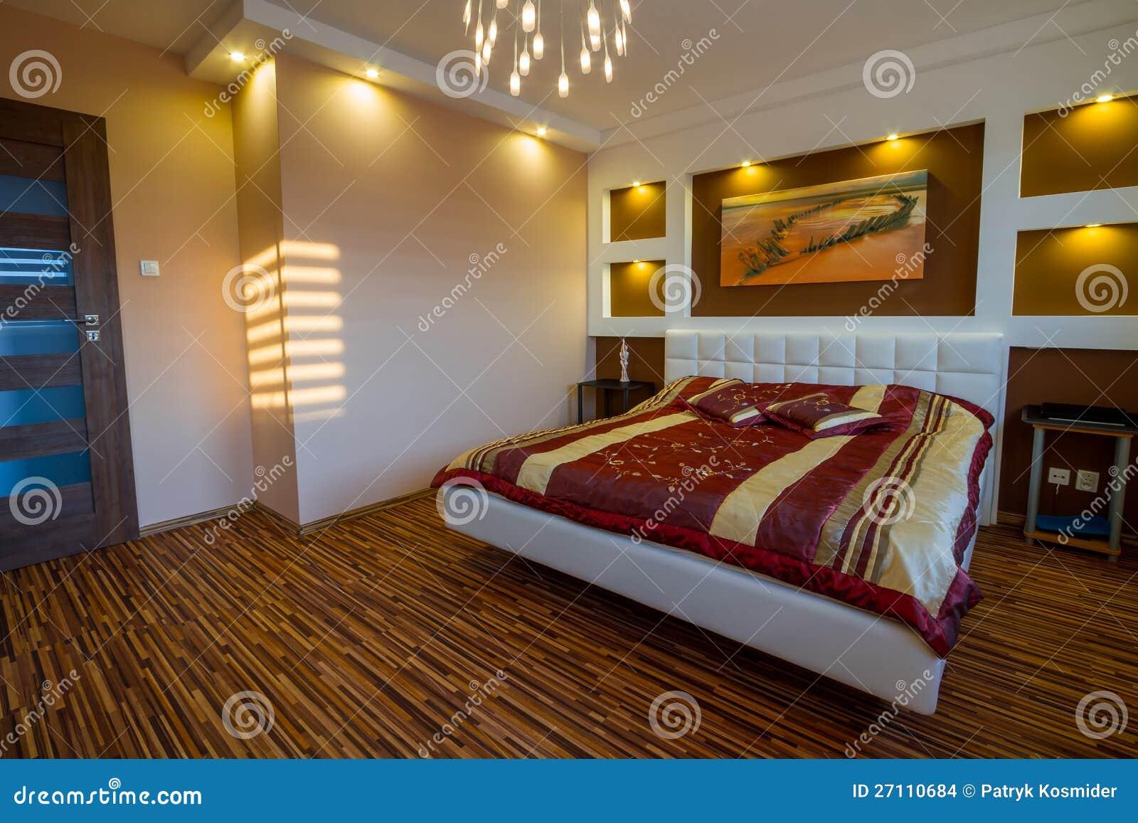 Interiore della camera da letto matrice con i riflettori immagini stock immagine 27110684 - I segreti della camera da letto ...