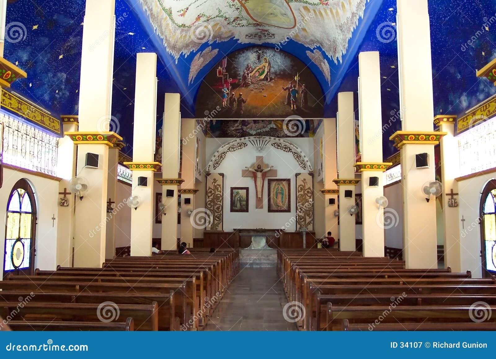 Interiore della chiesa di Crucecita della La