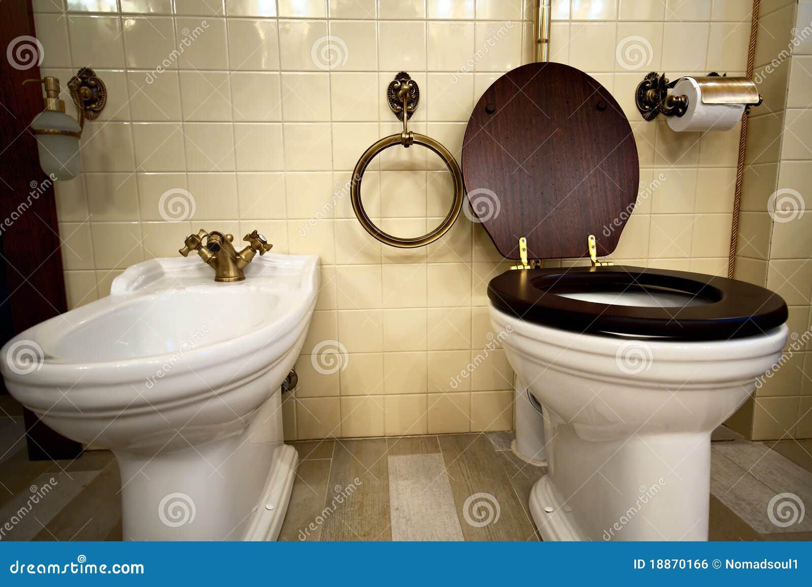 Interiore della stanza da bagno di lusso dell annata