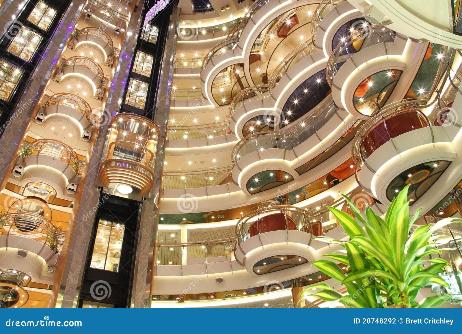 Interiore di lusso della nave da crociera fotografia for Planimetrie della cabina di lusso