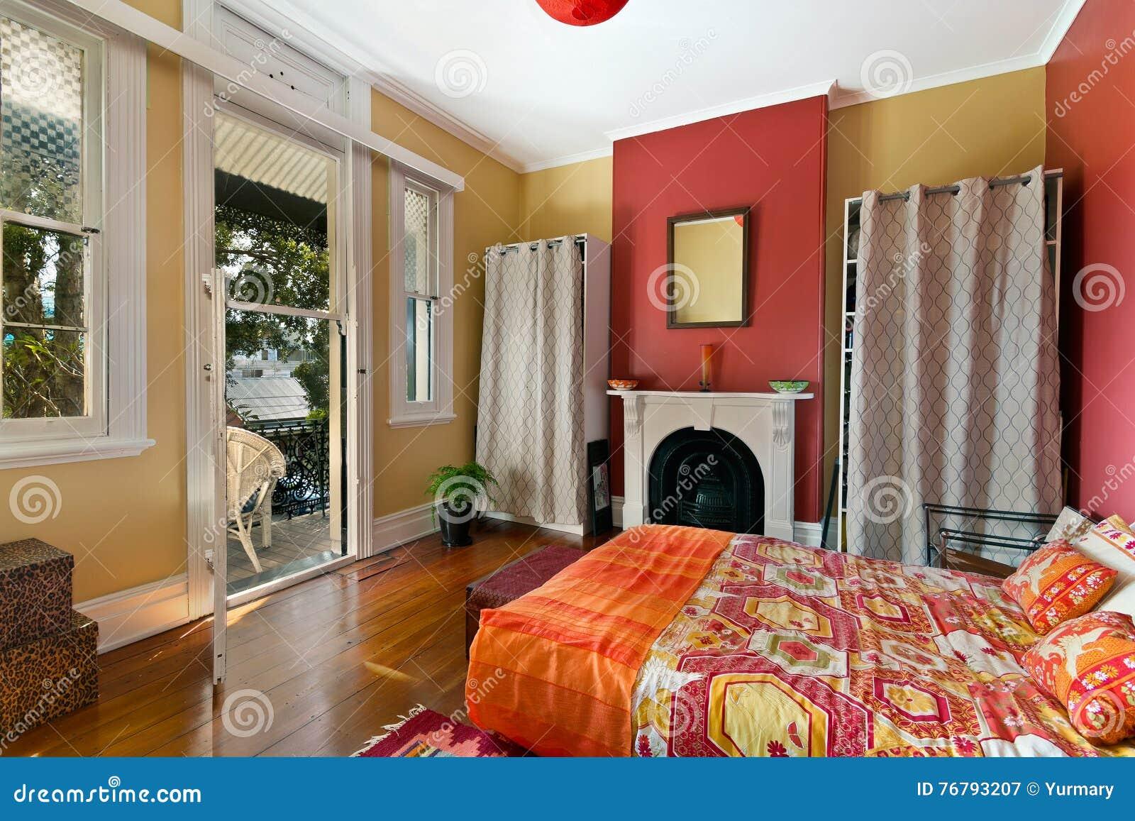 Interiore moderno della camera da letto fotografia stock for Design della camera da letto