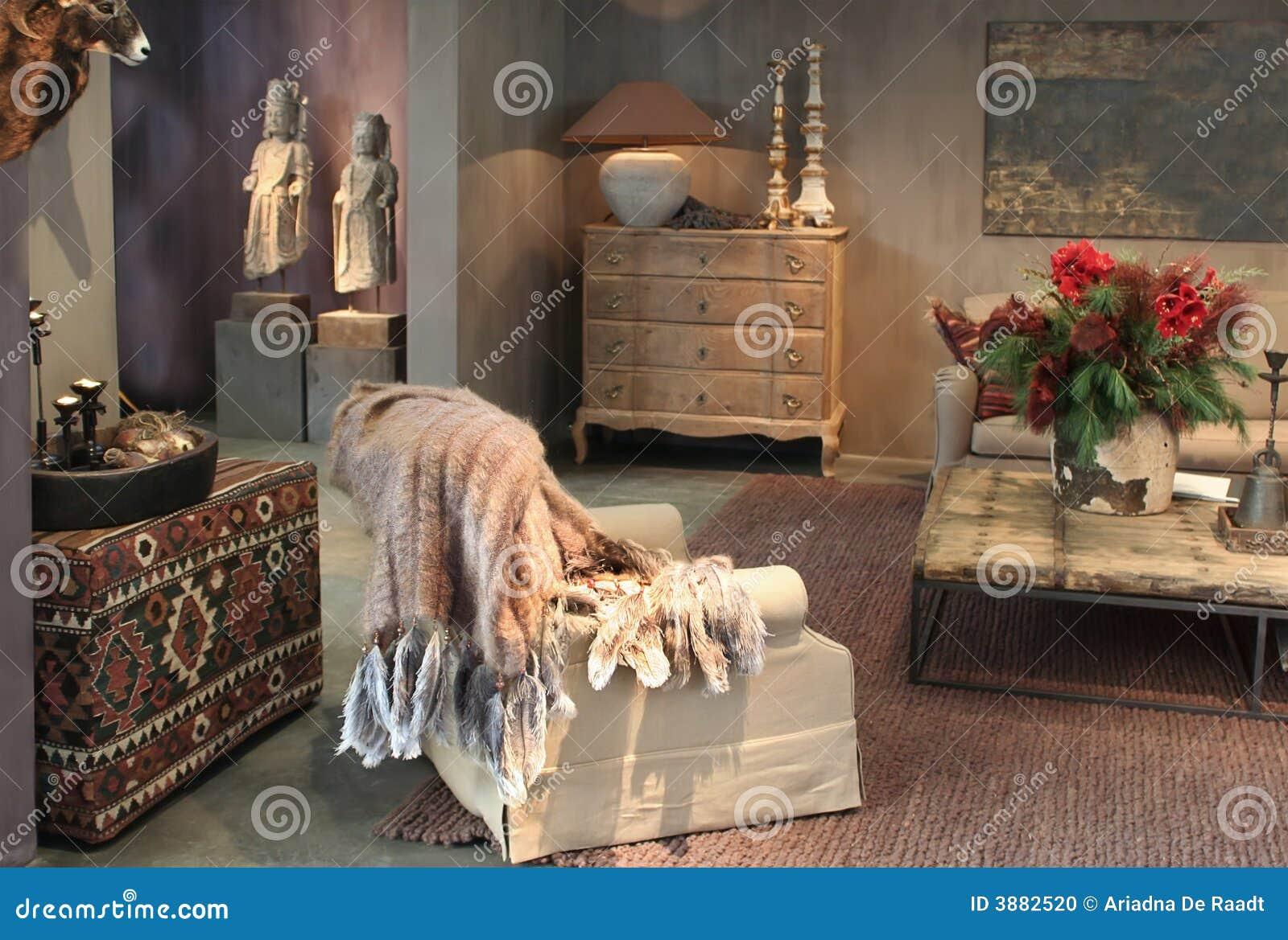 Download Interiore Nello Stile Orientale Di Legno Fotografia Stock - Immagine di divan, vivere: 3882520