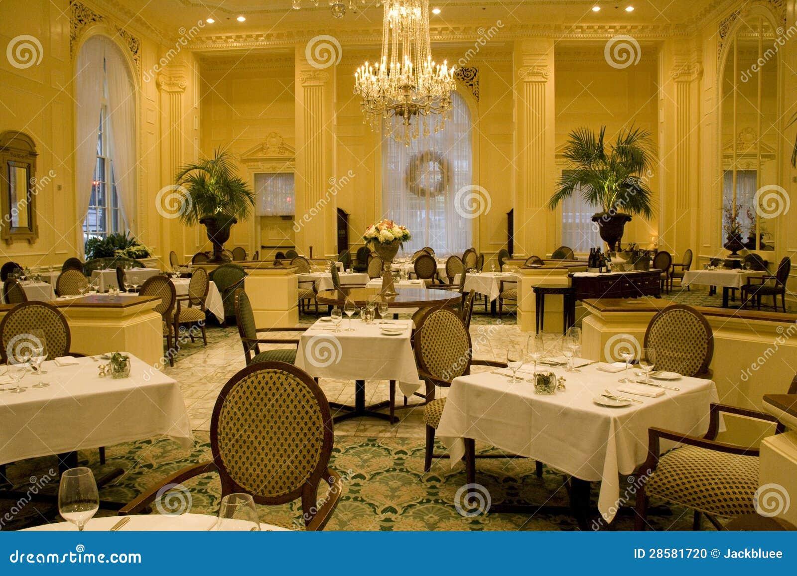 Interiores de lujo del restaurante foto de archivo - Interiores de lujo ...