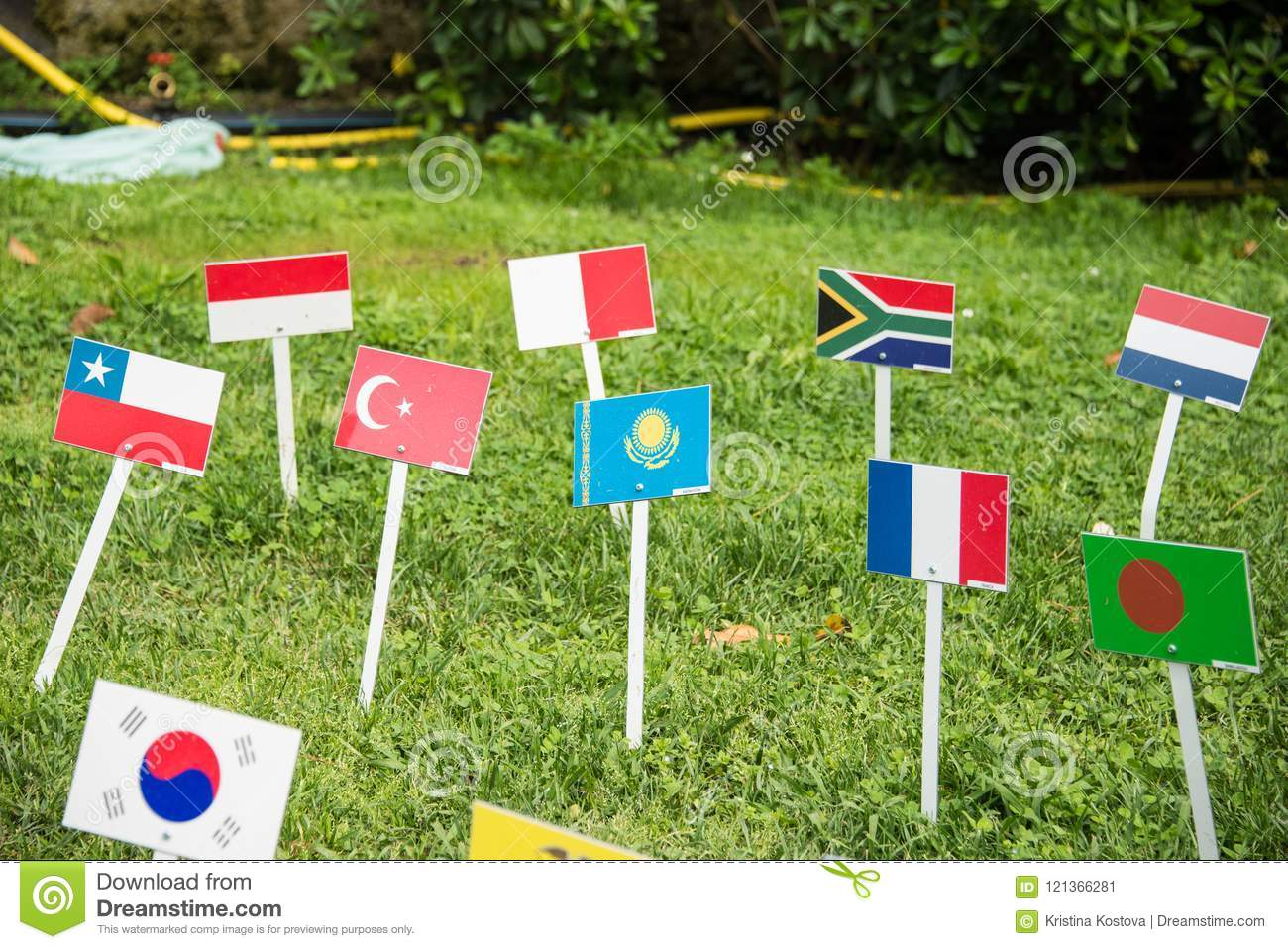 International flags from all over the world all togethrt