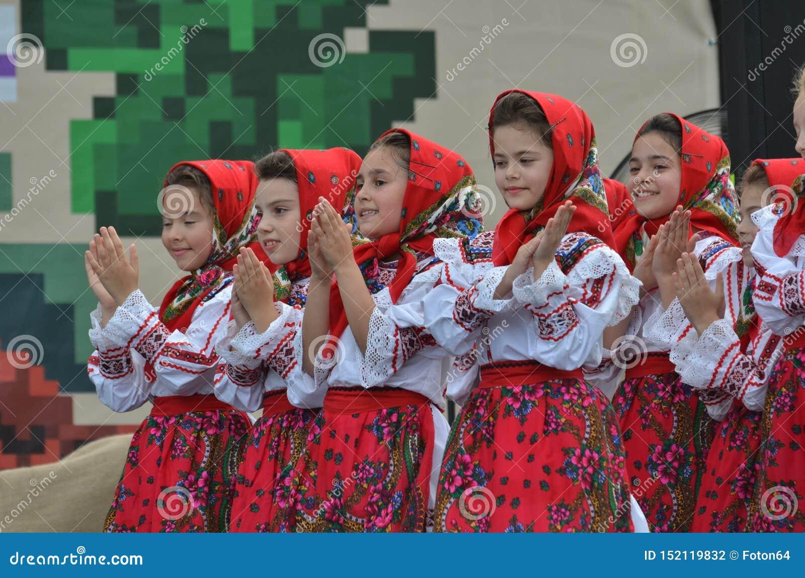 Girls pictures romanian Romanian Brides