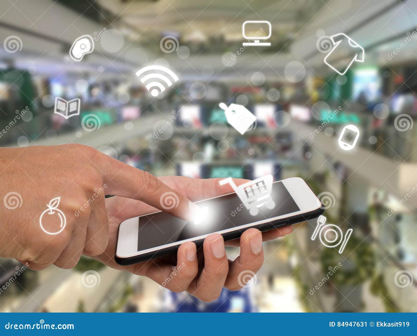 Internet de las cosas que comercializan los conceptos, uso del uso del cliente para buscar, comprar, paga el producto en la venta