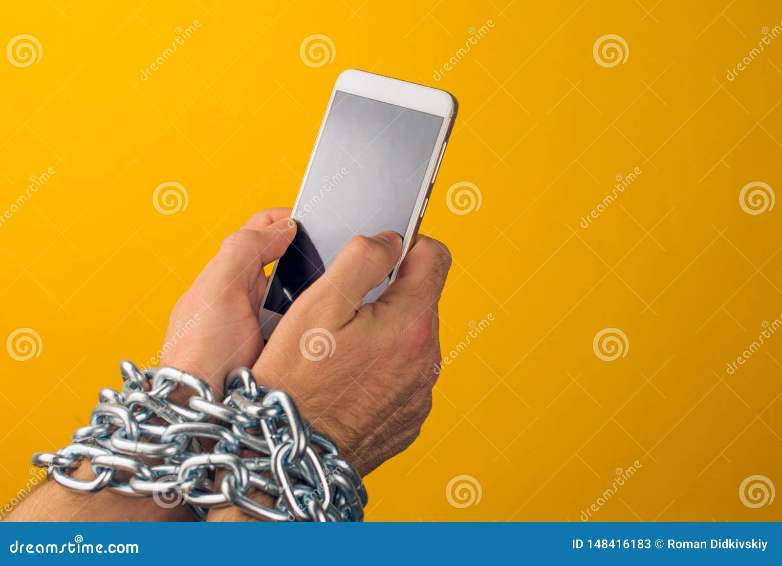 Internet of sociale media verslaving