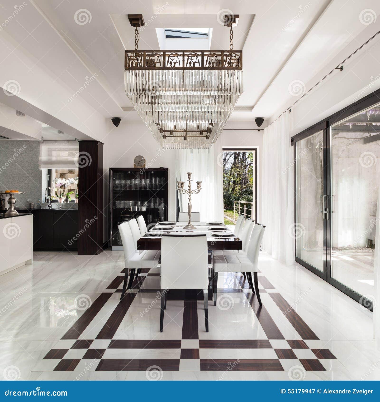 Interni, Sala Da Pranzo Di Lusso Immagine Stock - Immagine di ...