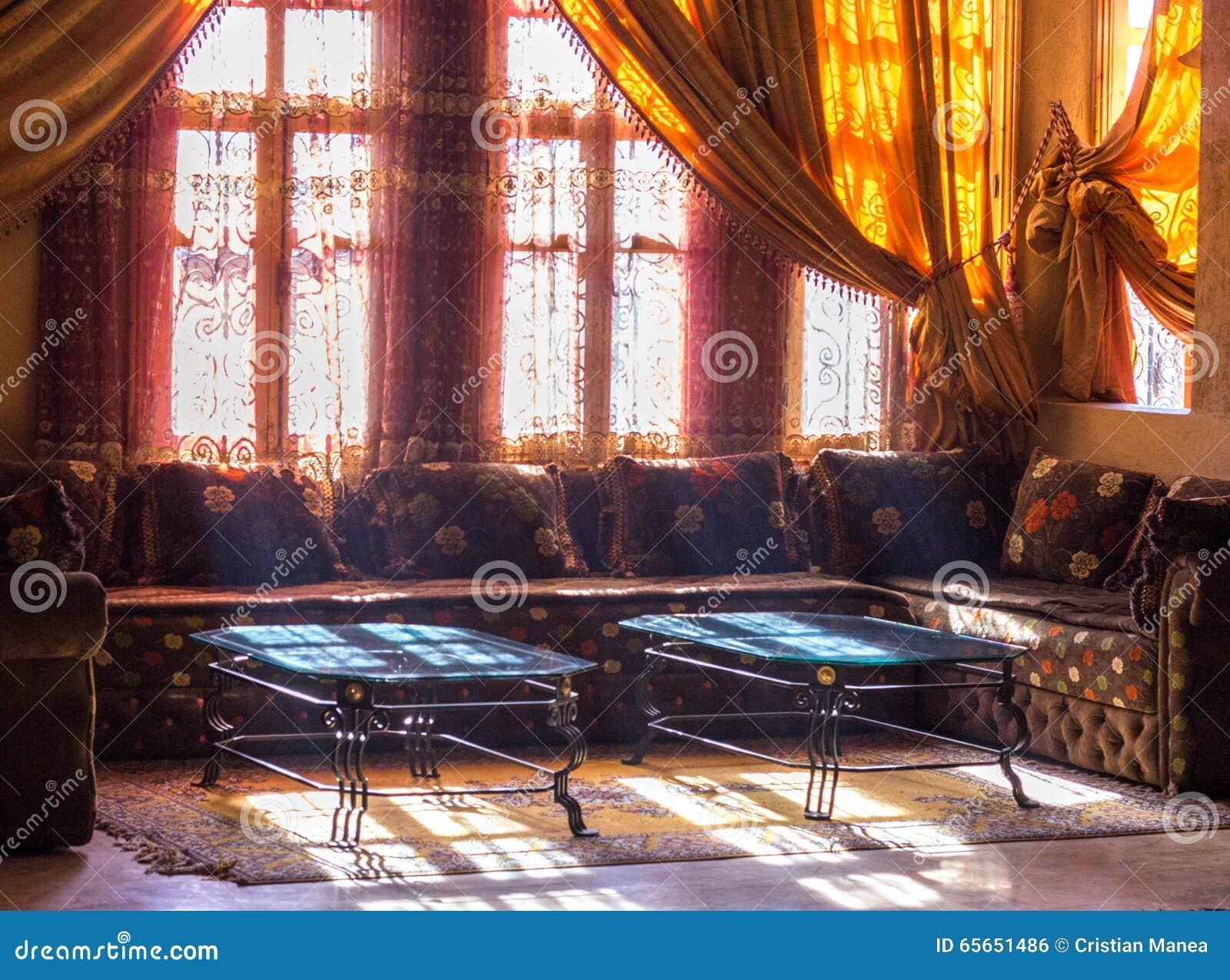Salotto marocco prodotto in promozione salotto marocchino for Arredamento stanza yoga