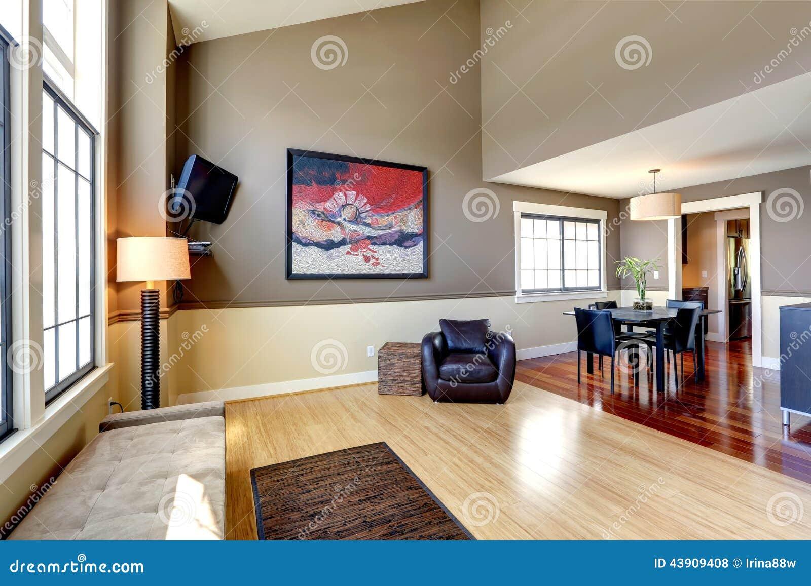 Interno classico della casa sala da pranzo e corridoio for Disposizione della casa libera