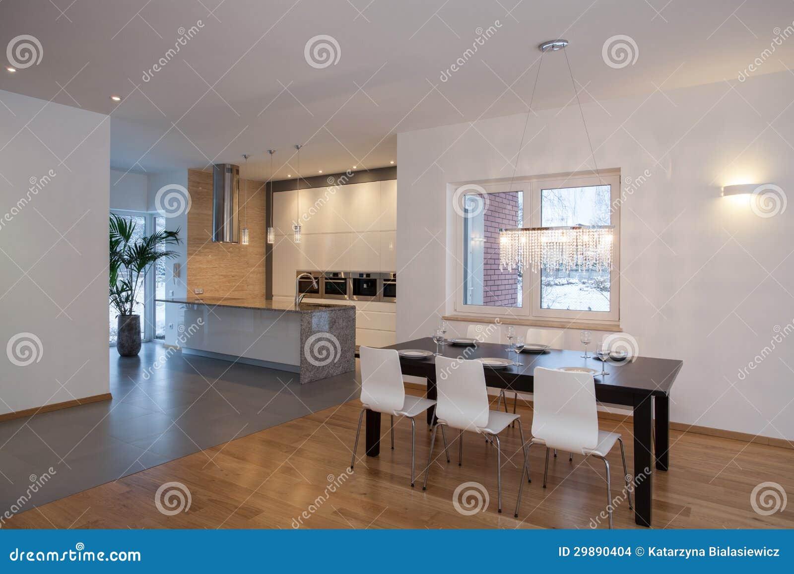 Interno dei progettisti casa moderna immagini stock for Interni casa moderna