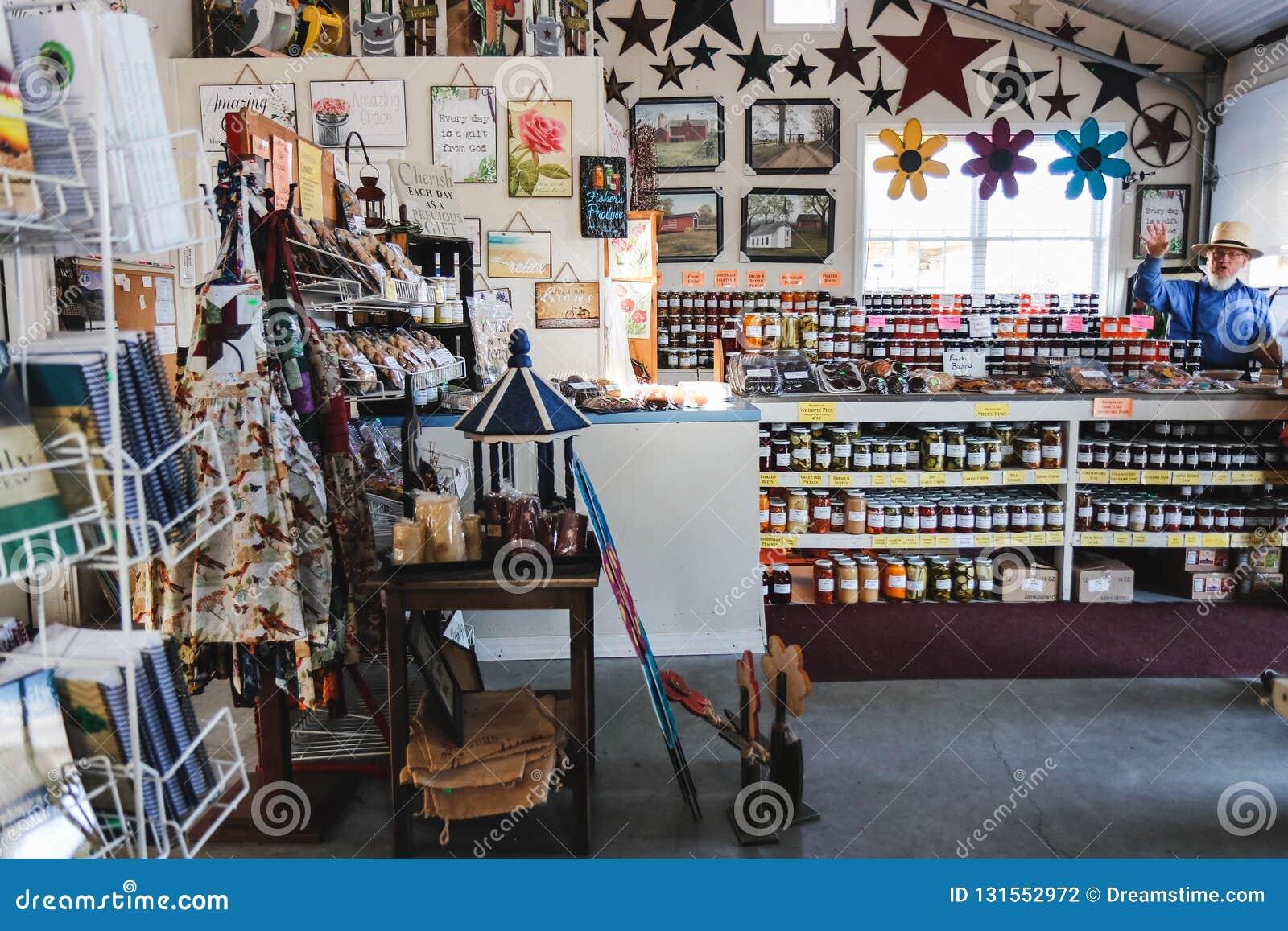 Interno del mercato organico rurale Vendita dei prodotti naturali