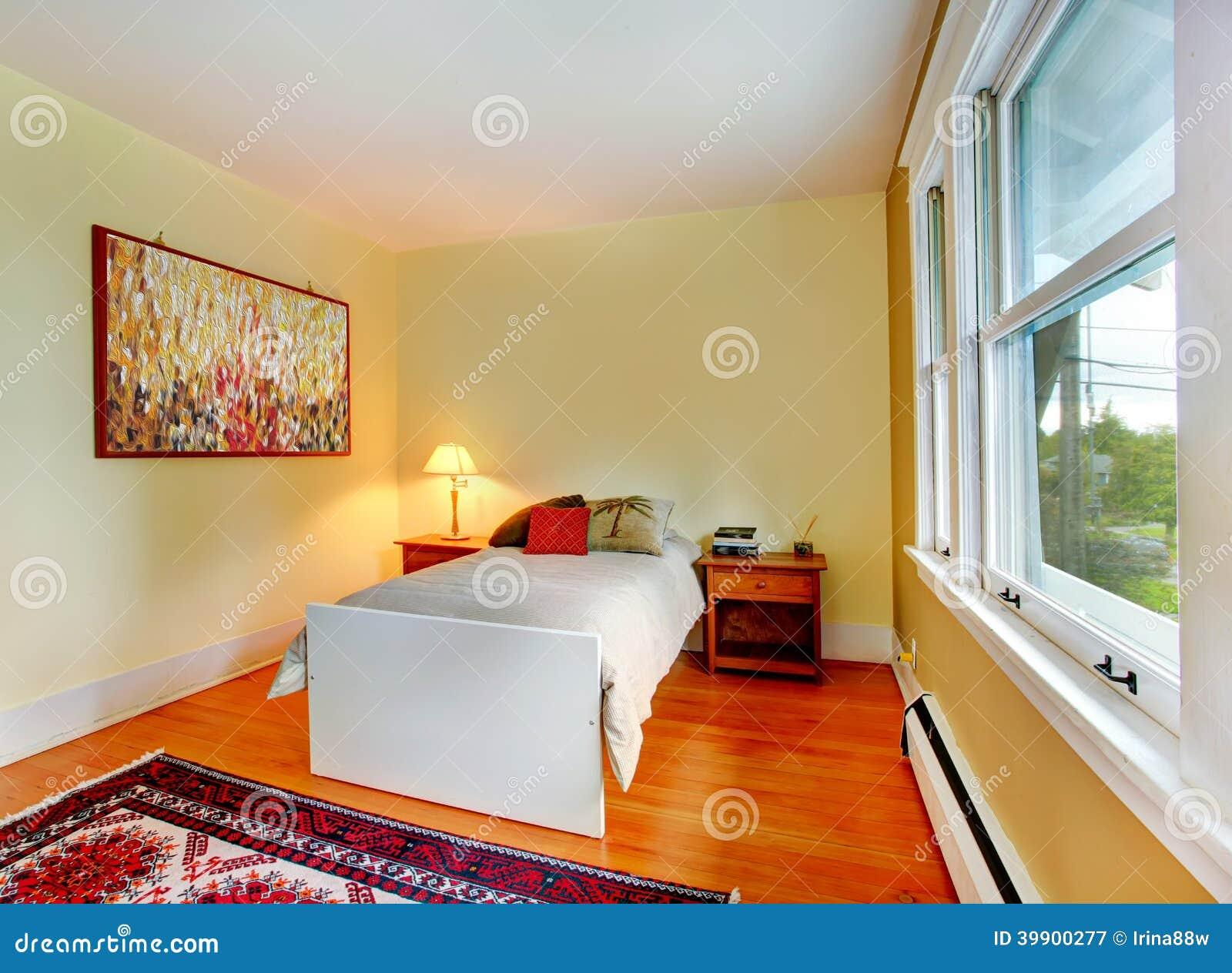 Interno della camera da letto con letto singolo immagine - Camera letto singolo ...