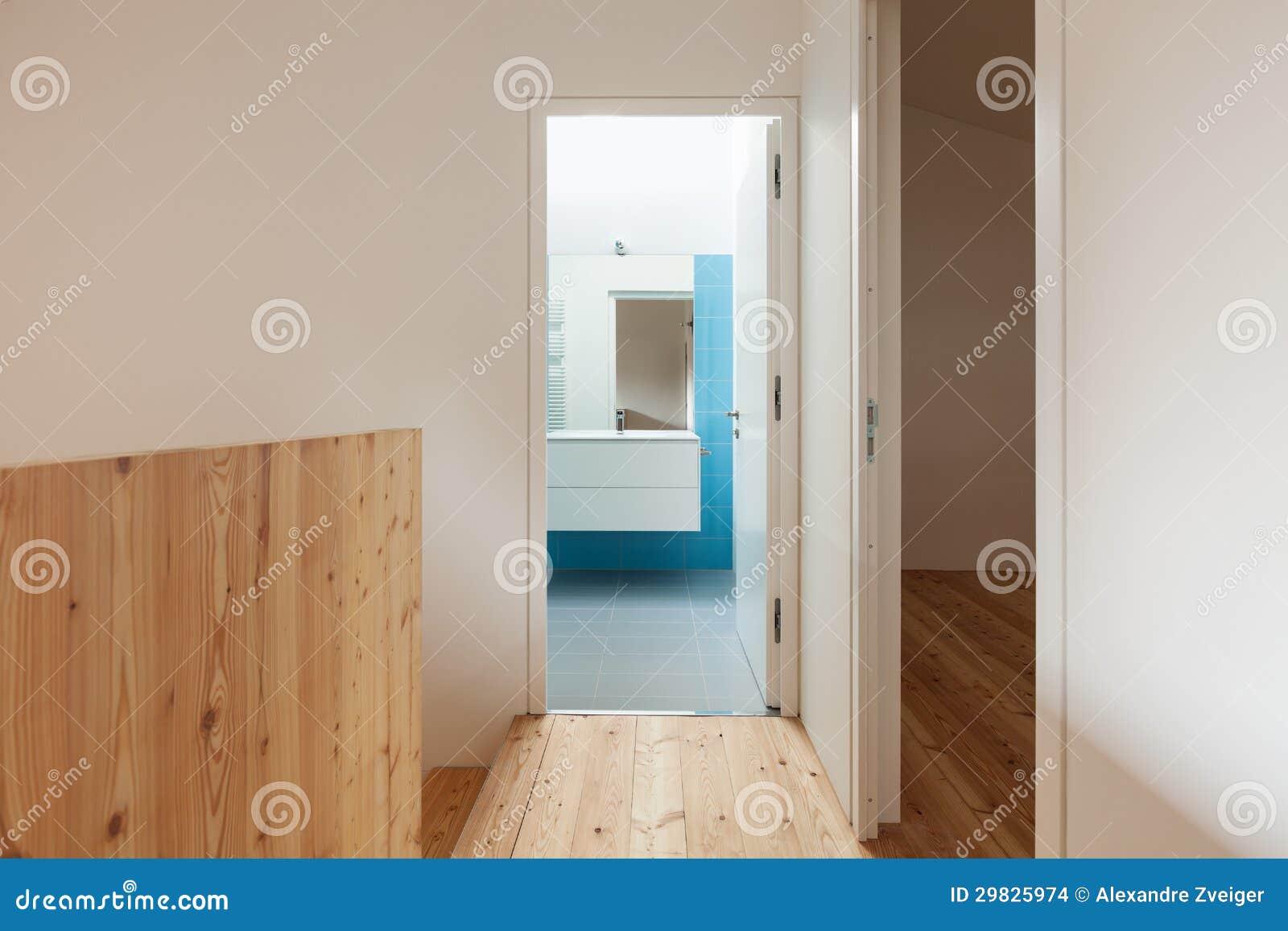 Casa interna corridoio fotografia stock immagine di for Planimetrie della casa ultra moderna