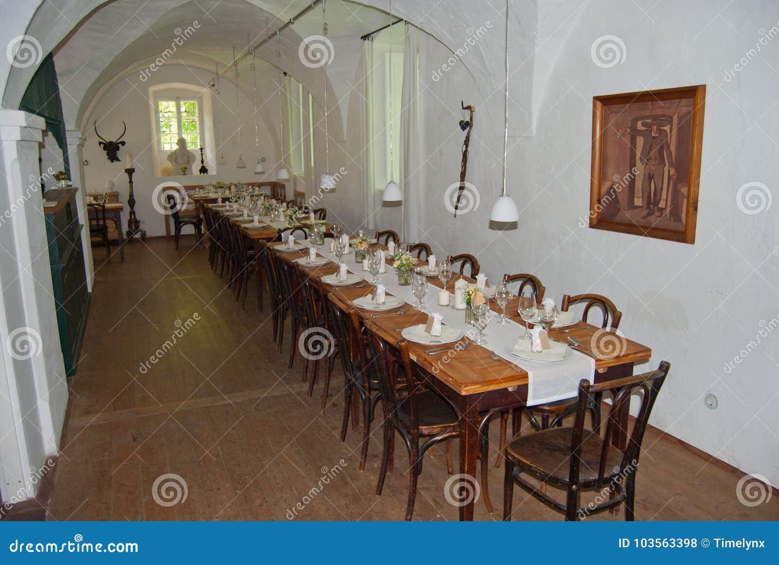 Interno della casa padronale di rottenhof in hofamt priel for Interno della casa