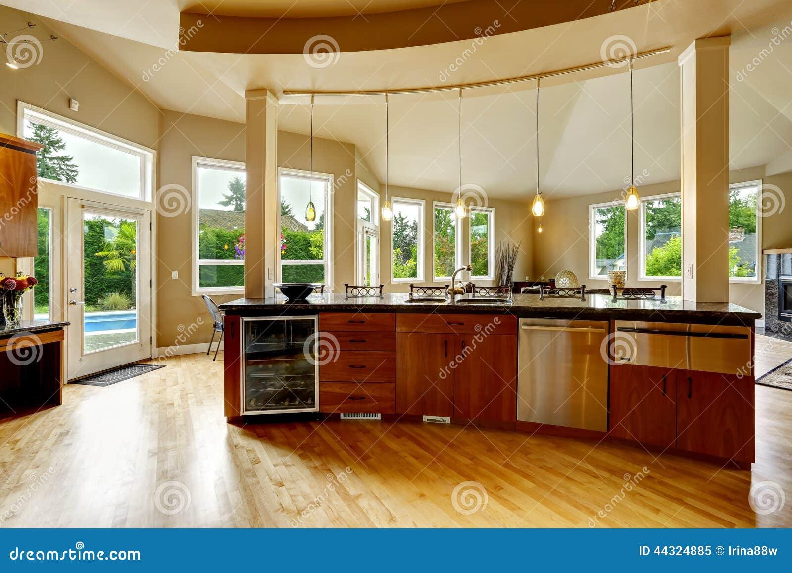 Interno della cucina in casa di lusso bene immobile in wa for Arredamento case di lusso interior design