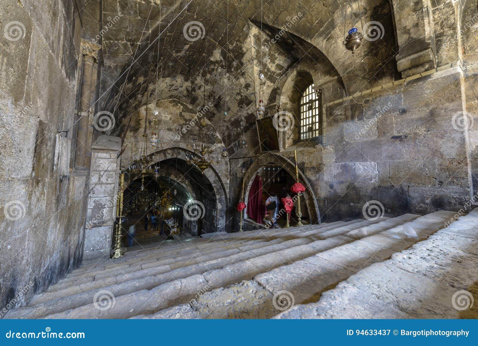Interno della tomba di vergine Maria, Gerusalemme