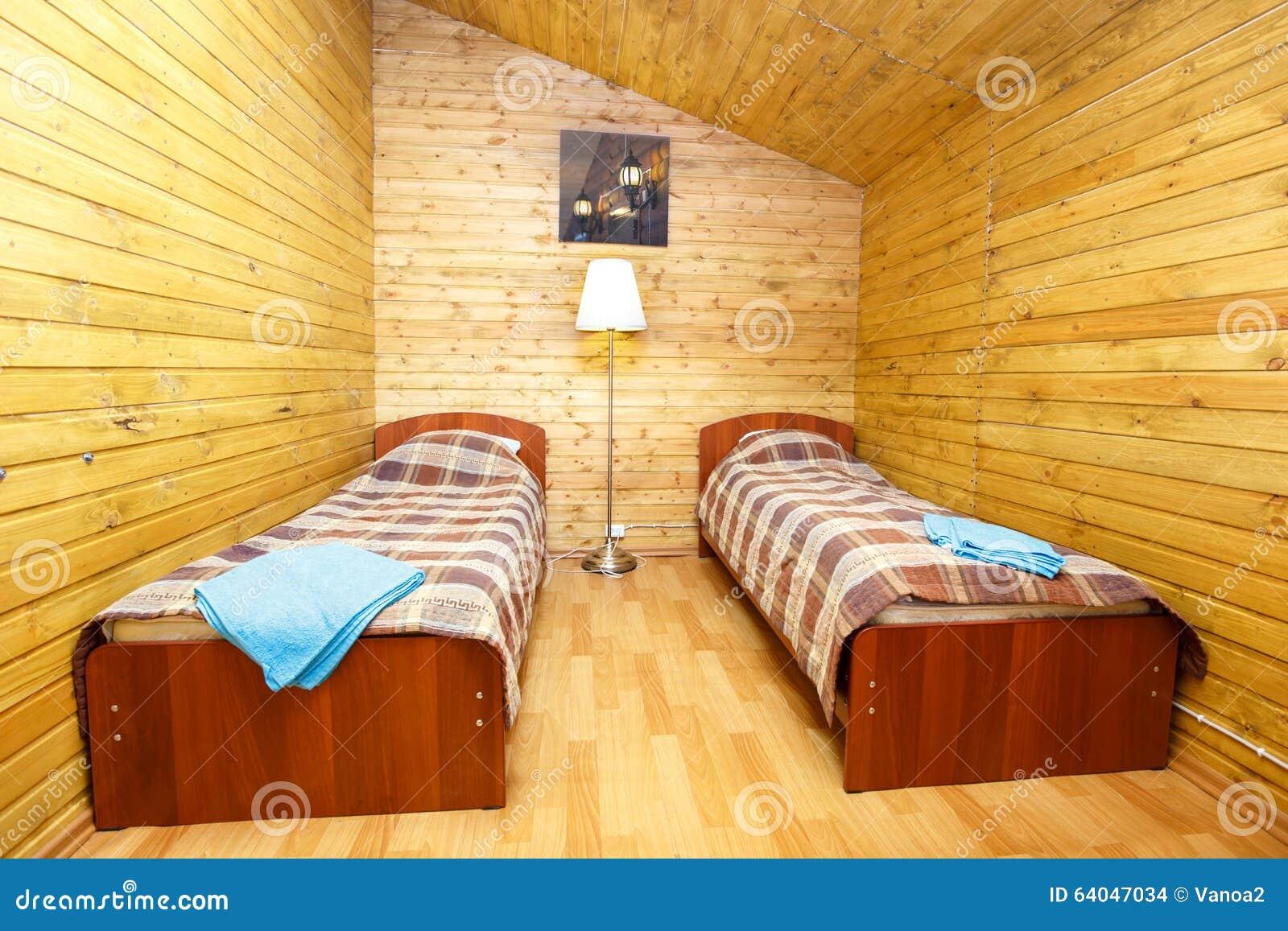 Interno di camera doppia con i letti separati fotografia for Case con alloggi separati