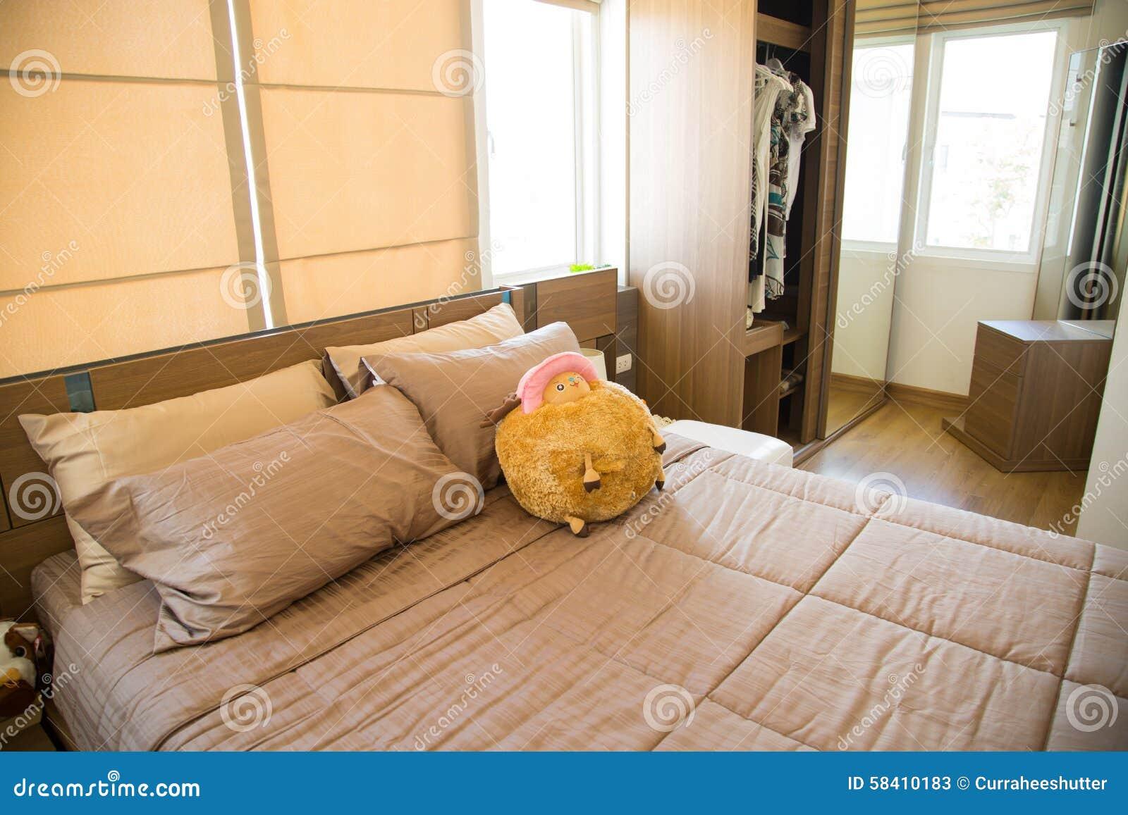 Interno di stanza moderna o della stanza del letto camera da letto di lusso classica con la - Camera di letto usato ...