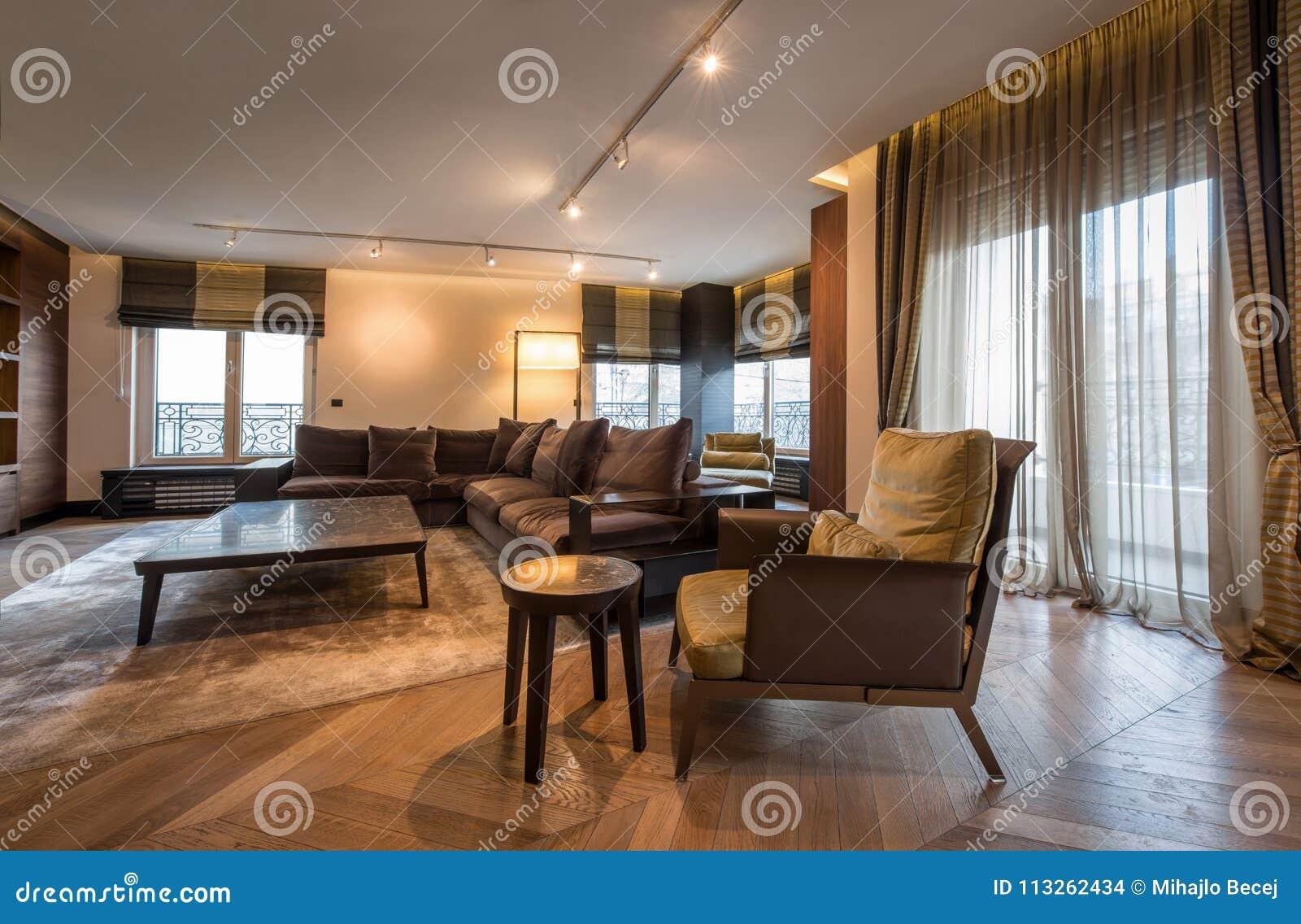 Interni Moderni Di Case : Interno di un appartamento di lusso salone aperto moderno di